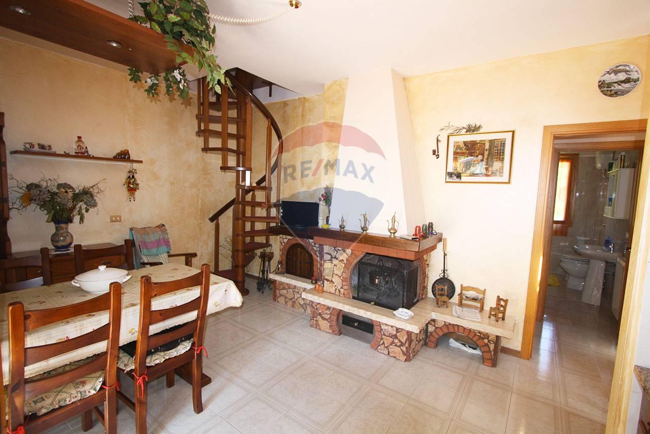 Appartamento in vendita a Santa Fiora, 3 locali, zona Zona: Bagnolo, prezzo € 68.000 | CambioCasa.it