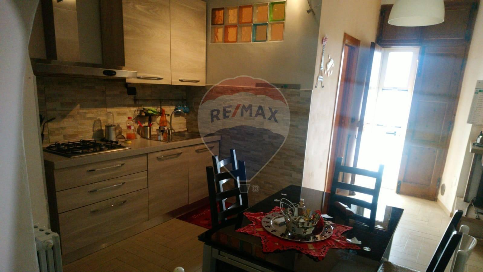 Appartamento in vendita a Popoli, 5 locali, prezzo € 75.000 | CambioCasa.it