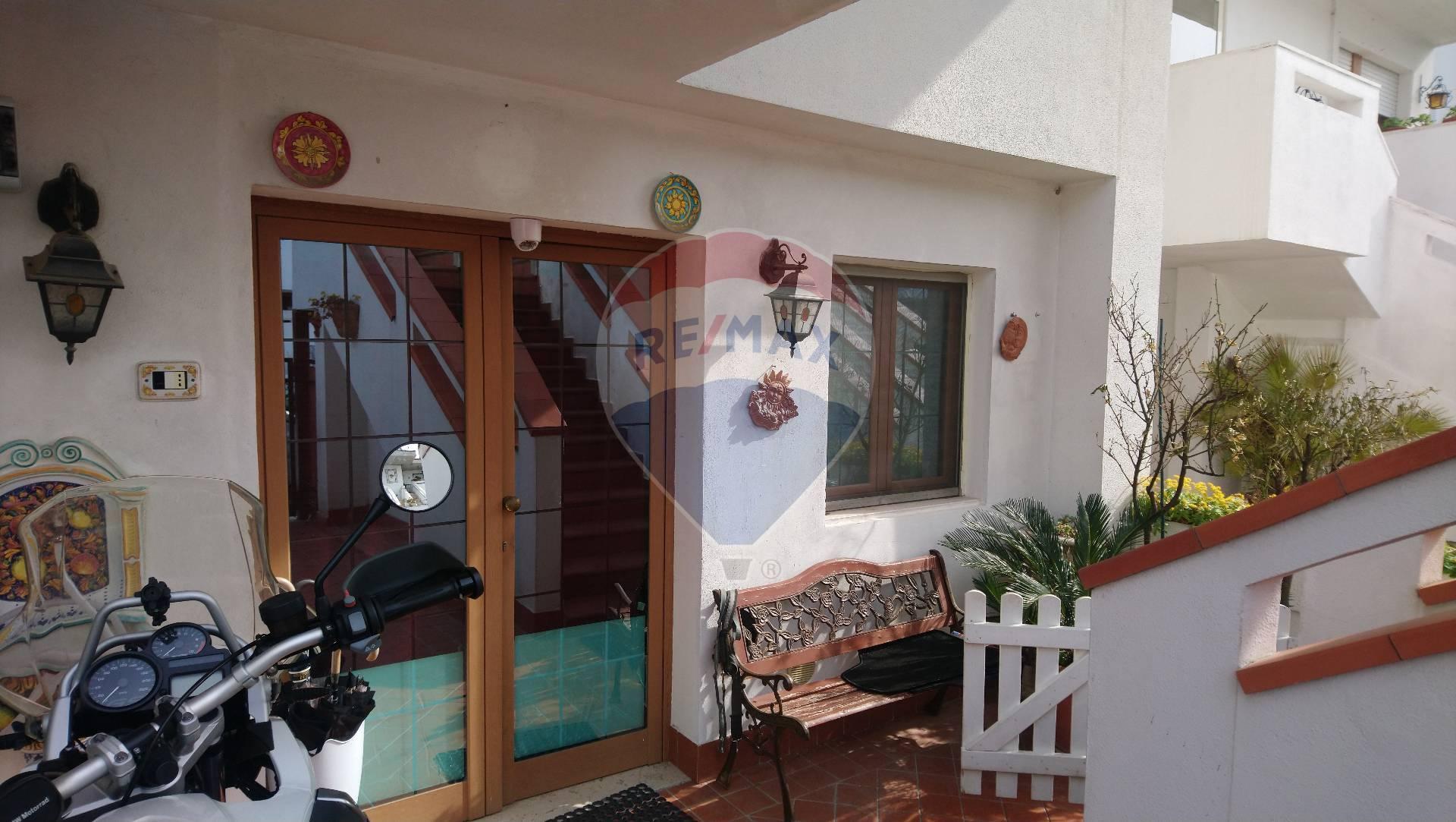 Appartamento in vendita a Francavilla al Mare, 2 locali, zona Località: Centro, prezzo € 78.000 | CambioCasa.it