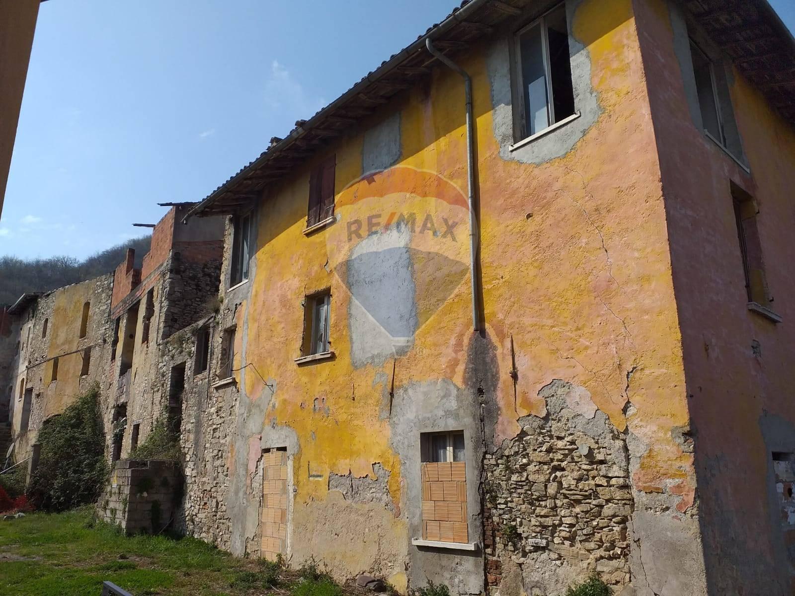 Rustico / Casale in vendita a Villanuova sul Clisi, 25 locali, zona eto, prezzo € 349.000   PortaleAgenzieImmobiliari.it