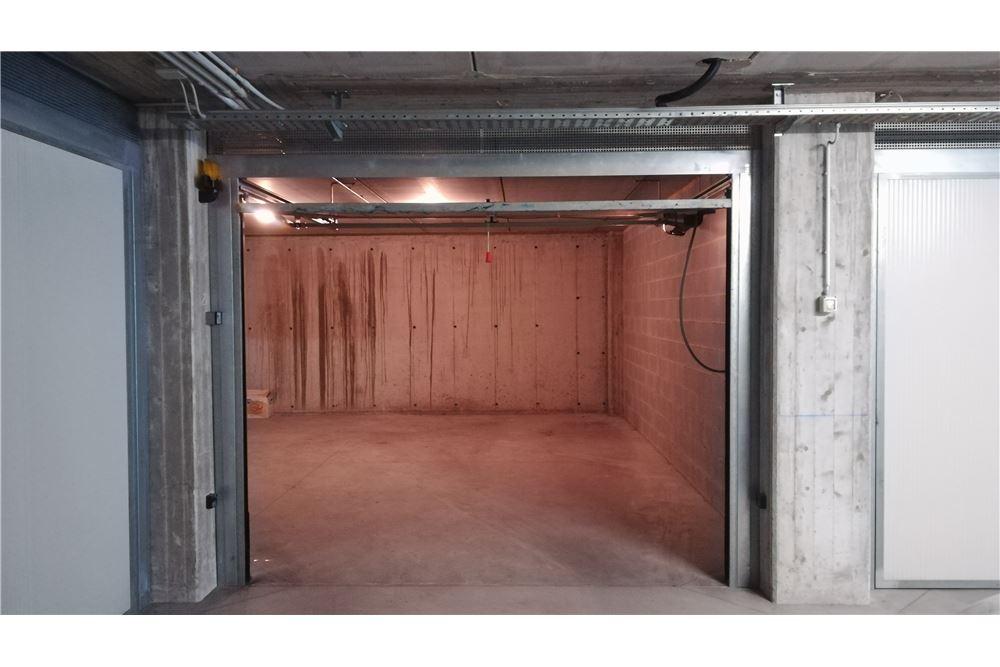 Box / Garage in vendita a Desenzano del Garda, 1 locali, prezzo € 37.000   CambioCasa.it