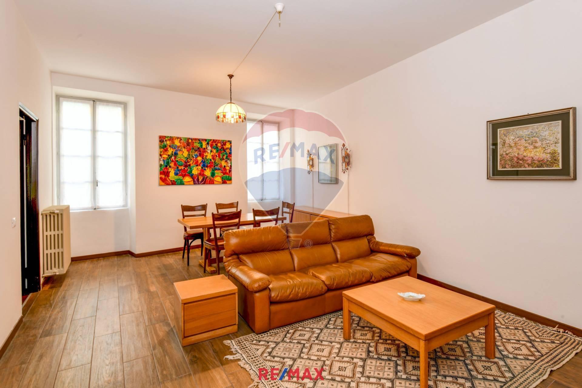 Appartamento in vendita a Salò, 3 locali, prezzo € 300.000 | CambioCasa.it
