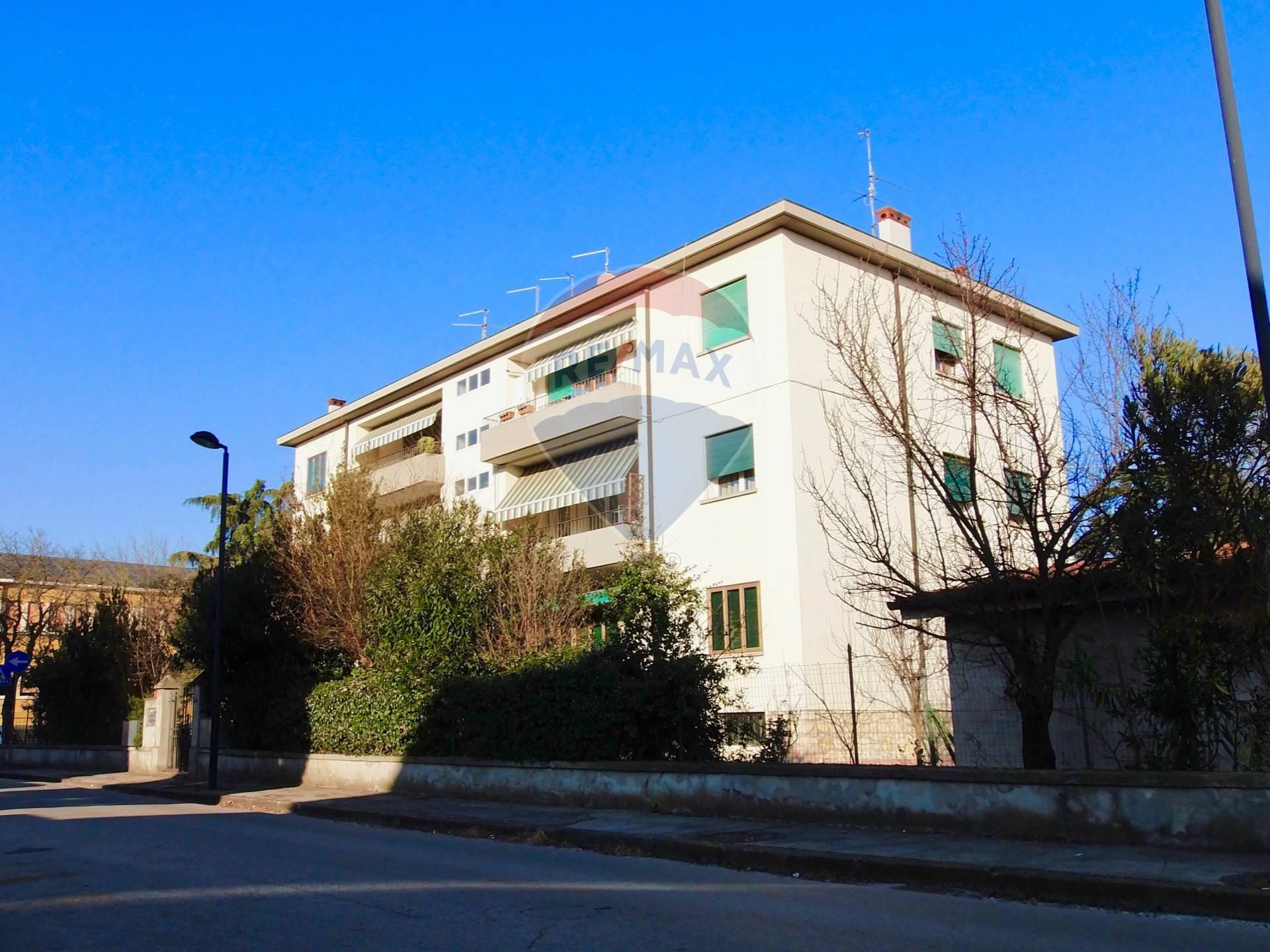 Appartamento in vendita a Noventa Vicentina, 6 locali, prezzo € 110.000 | CambioCasa.it