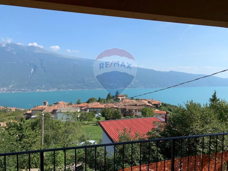 Appartamento in vendita a Tignale, 4 locali, prezzo € 440.000 | CambioCasa.it