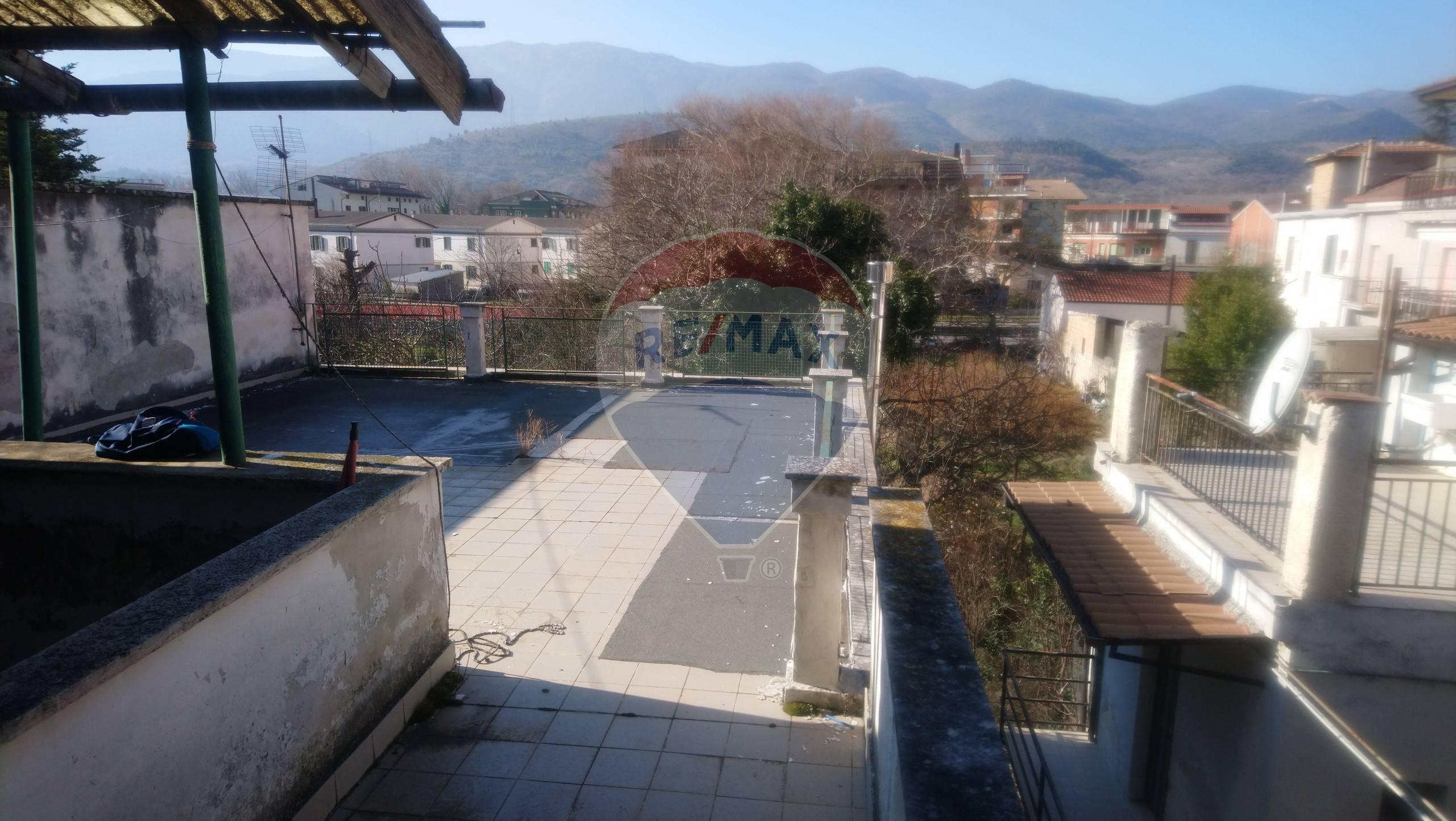 Soluzione Semindipendente in vendita a Popoli, 9 locali, prezzo € 60.000 | CambioCasa.it