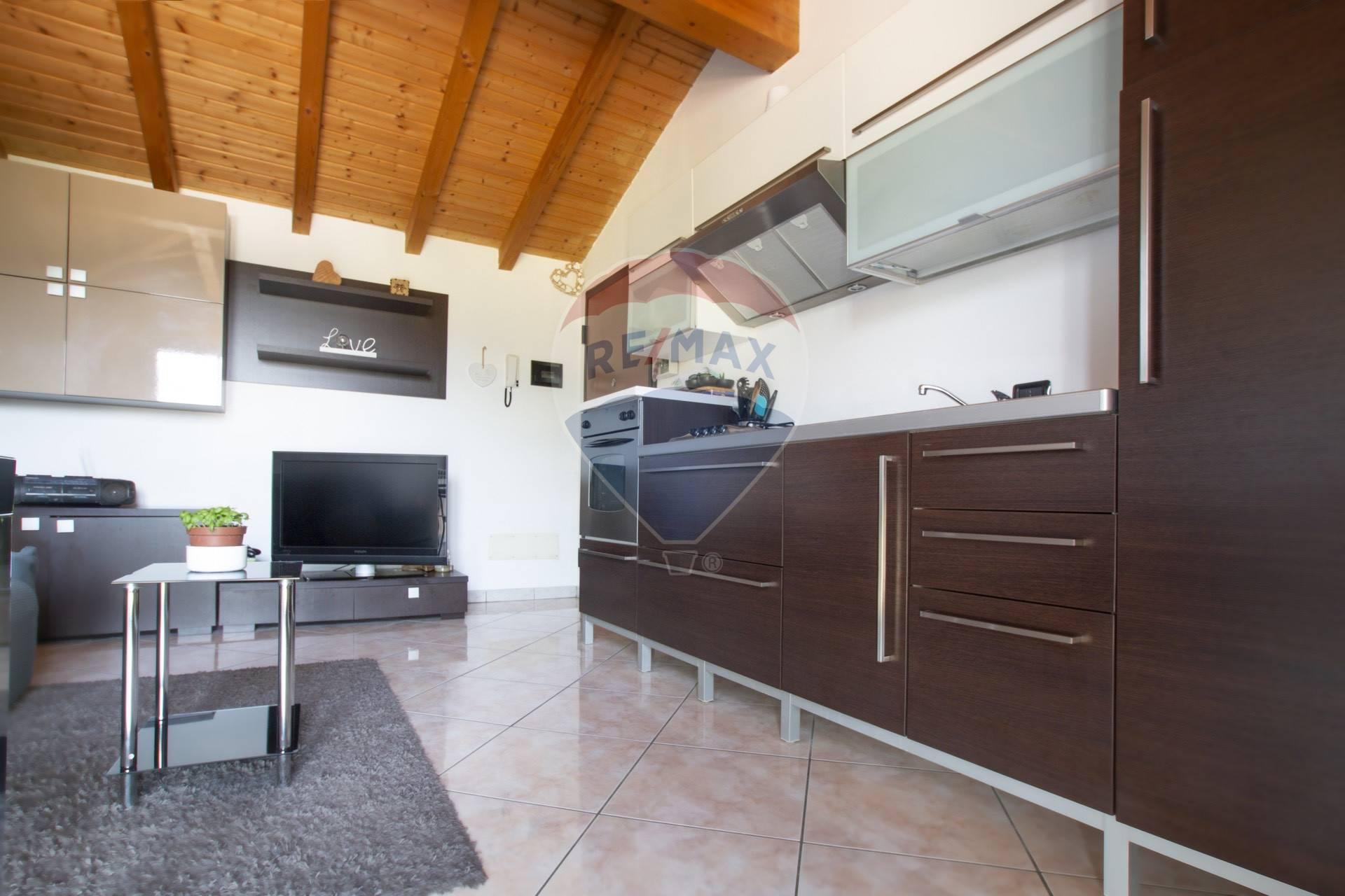Appartamento in vendita a Ferrera di Varese, 2 locali, prezzo € 63.000 | CambioCasa.it