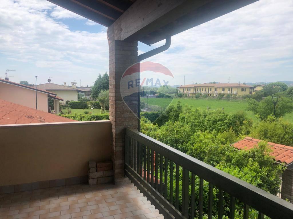 Appartamento in vendita a Manerba del Garda, 3 locali, zona Località: Solarolo, prezzo € 155.000 | CambioCasa.it