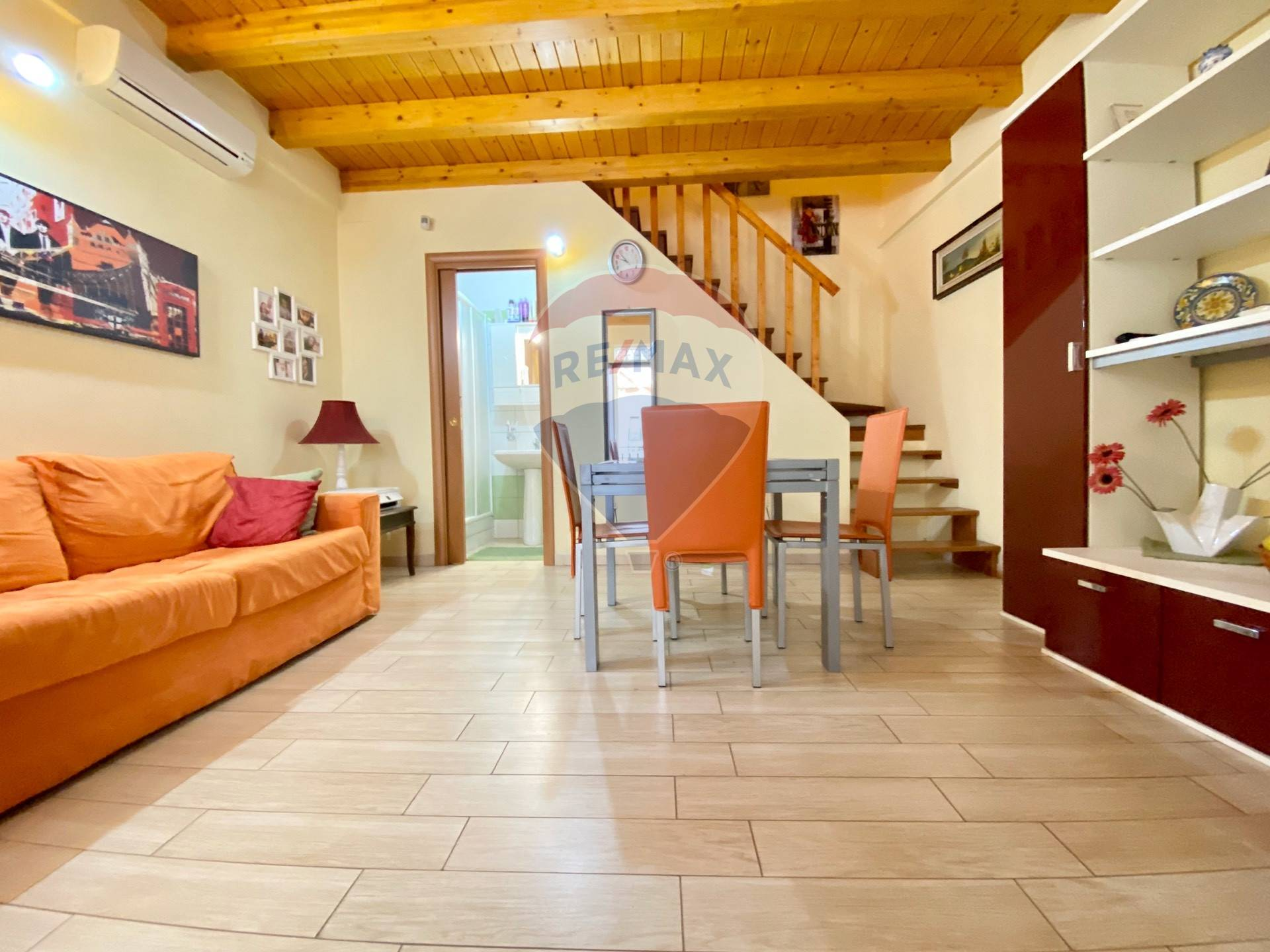 Appartamento in vendita a Catania, 2 locali, zona Località: ViaEtnea-viaUmberto, prezzo € 60.000 | CambioCasa.it
