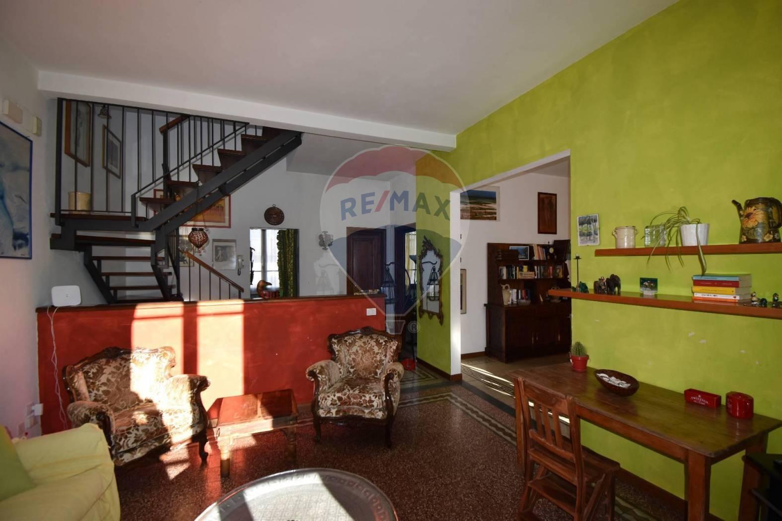 viareggio affitto quart: darsena re-max-quality-house