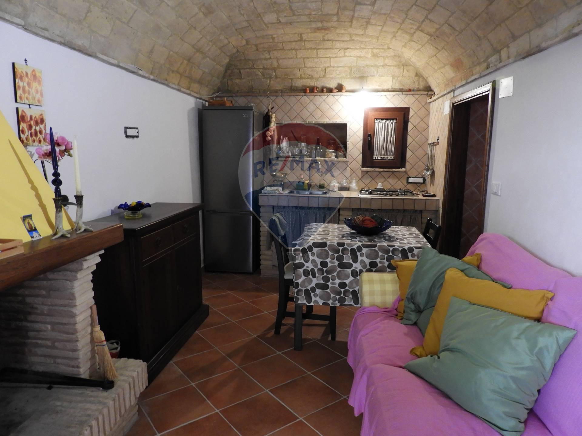 Soluzione Semindipendente in vendita a Rocca San Giovanni, 4 locali, prezzo € 38.000 | CambioCasa.it