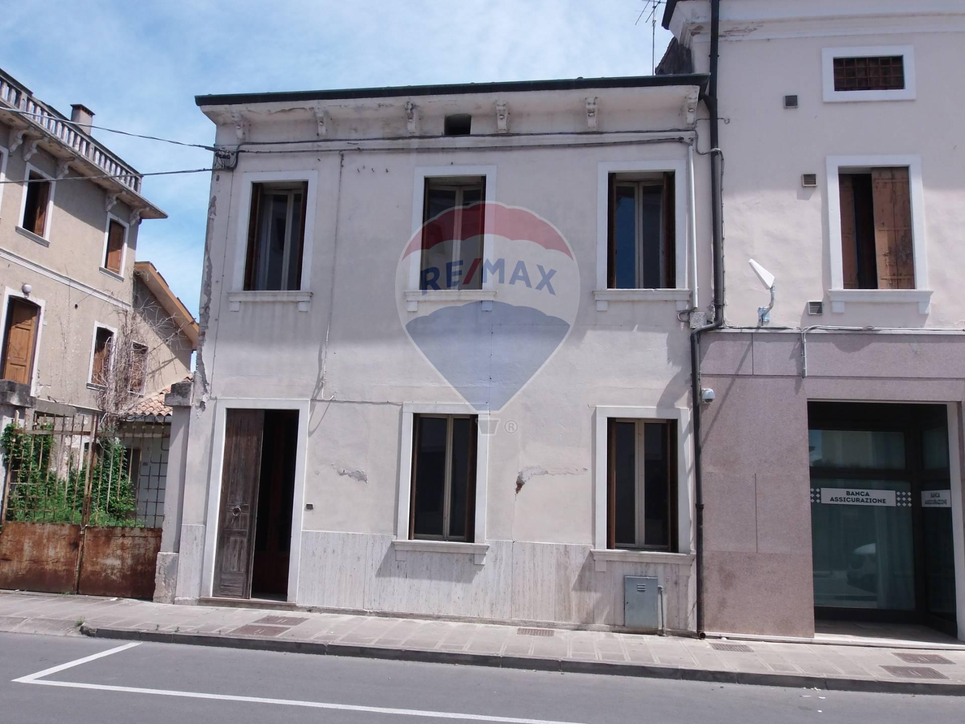 Soluzione Semindipendente in vendita a Pojana Maggiore, 5 locali, prezzo € 50.000   CambioCasa.it
