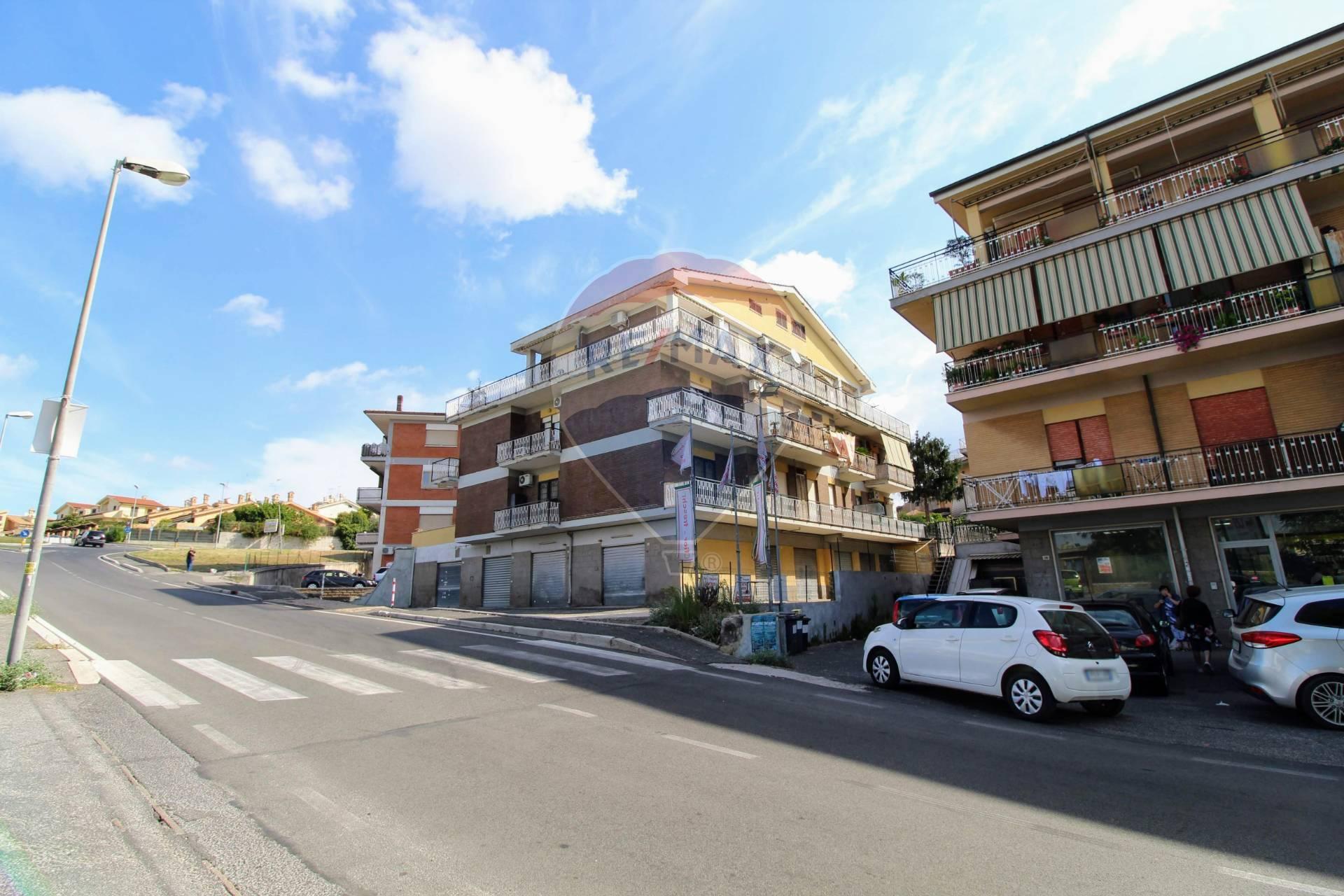 Negozio / Locale in vendita a Albano Laziale, 9999 locali, zona Zona: Cecchina, prezzo € 180.000 | CambioCasa.it