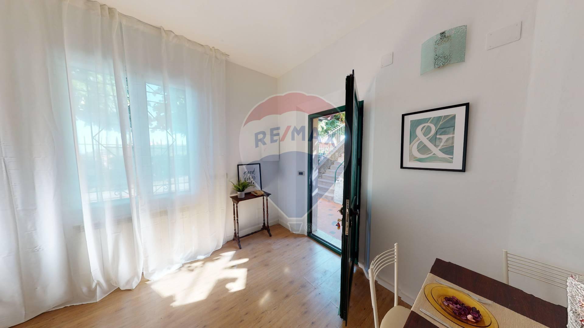 Appartamento in vendita a Arenzano, 2 locali, prezzo € 127.000 | CambioCasa.it