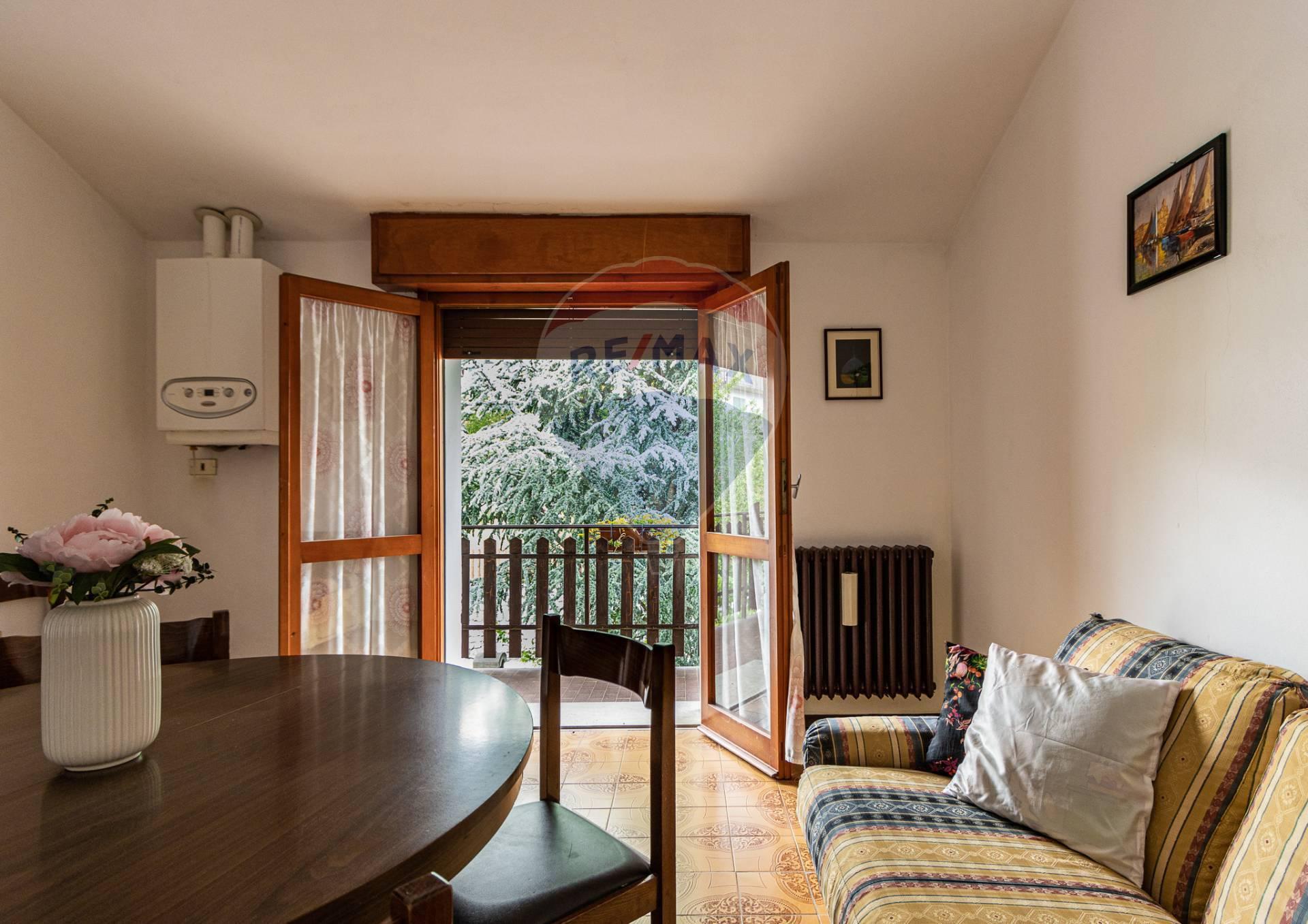 Appartamento in vendita a Aviatico, 2 locali, zona Zona: Ama, prezzo € 60.000 | CambioCasa.it