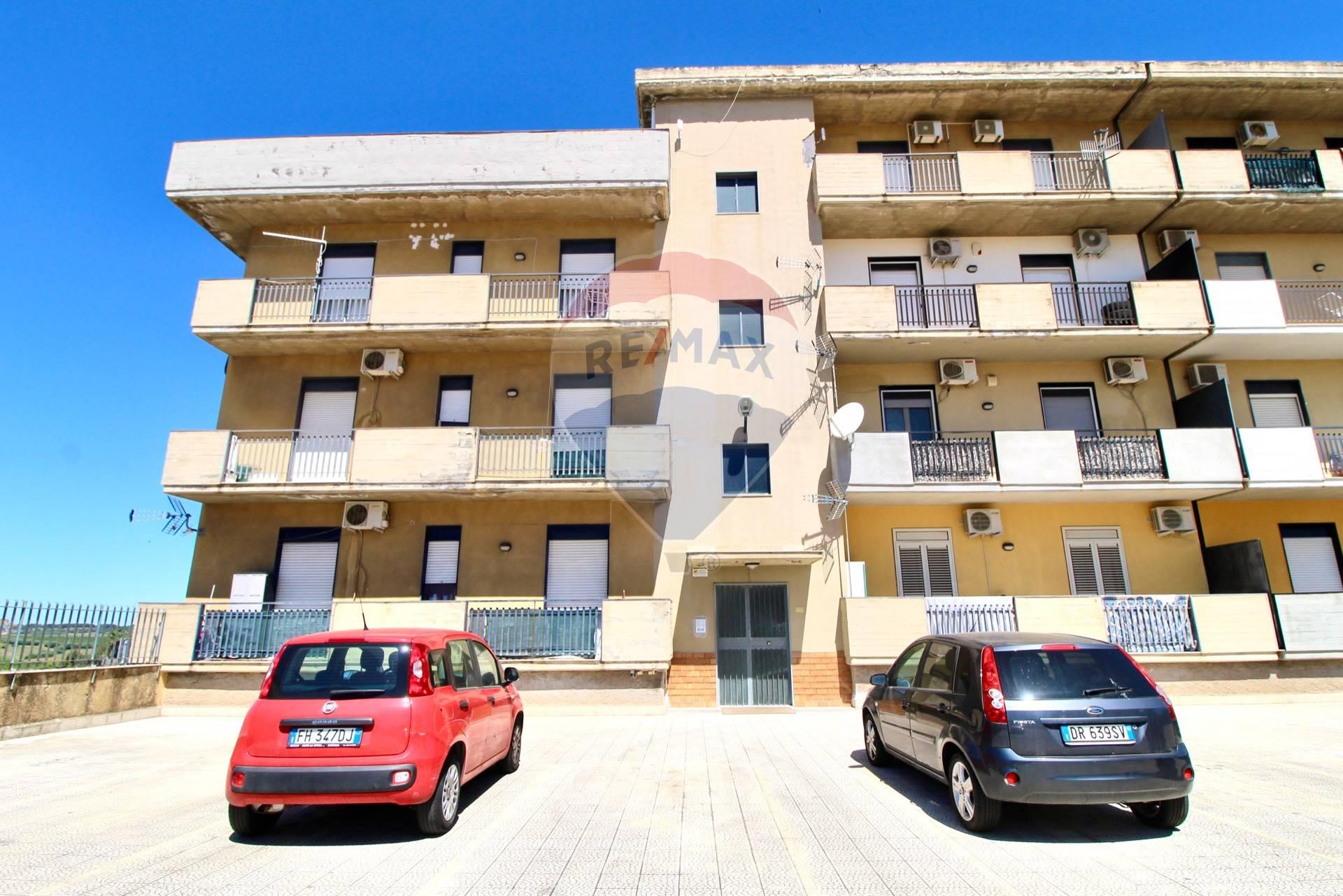 Appartamento in vendita a Belpasso, 2 locali, prezzo € 50.000 | CambioCasa.it