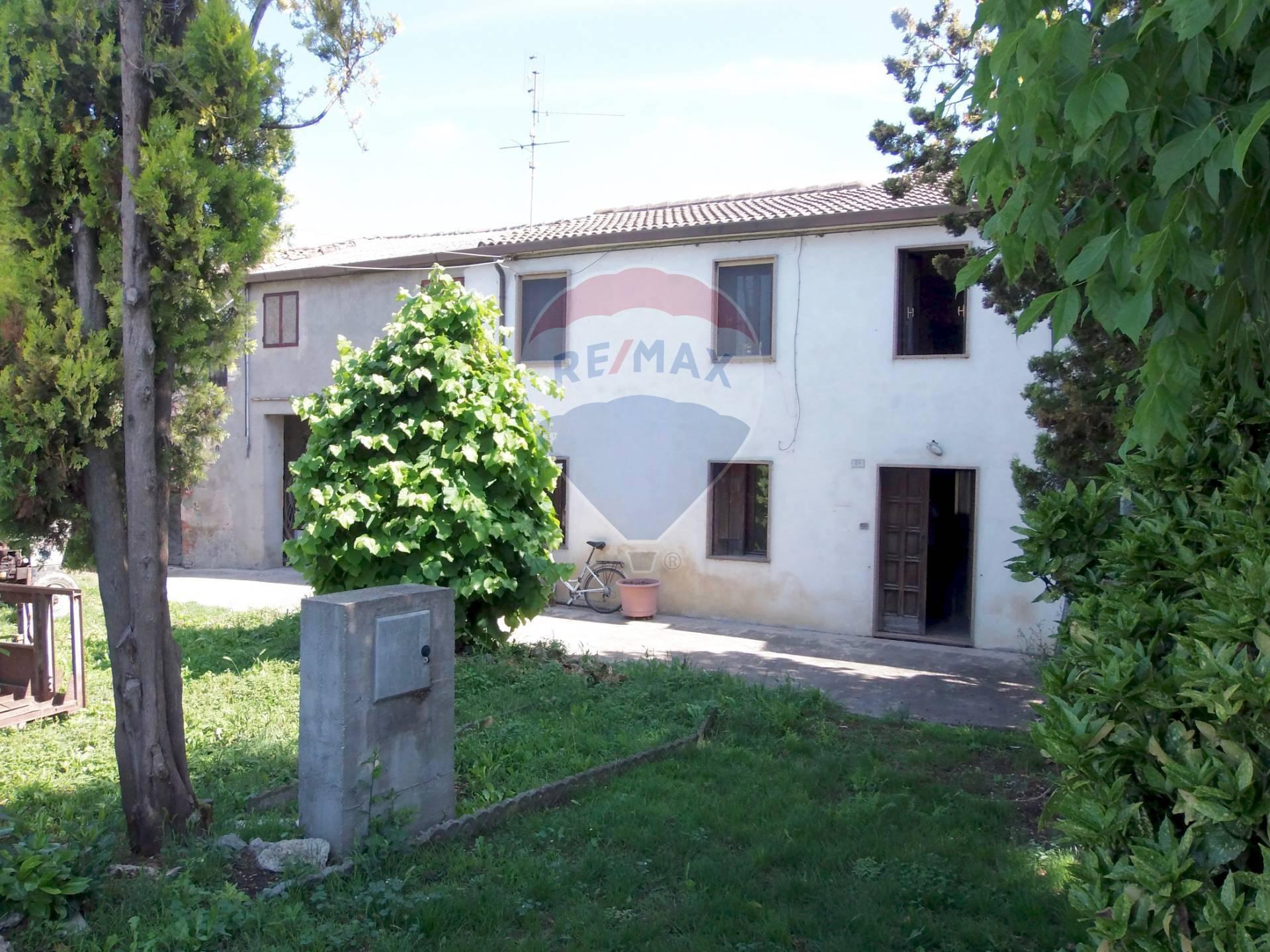 Soluzione Semindipendente in vendita a Pojana Maggiore, 10 locali, prezzo € 65.000   CambioCasa.it
