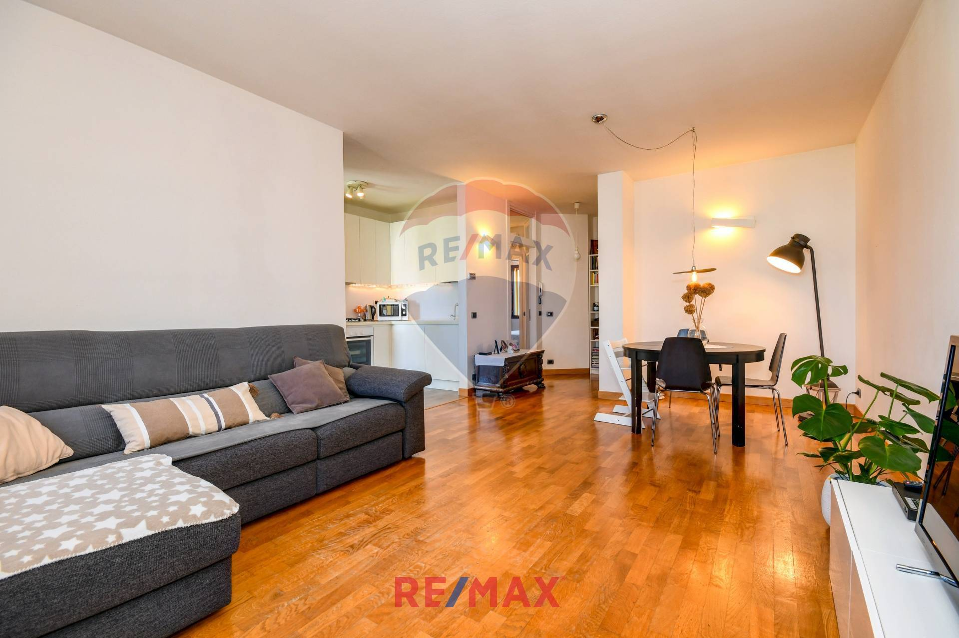 Appartamento in vendita a Moniga del Garda, 3 locali, prezzo € 185.000 | CambioCasa.it