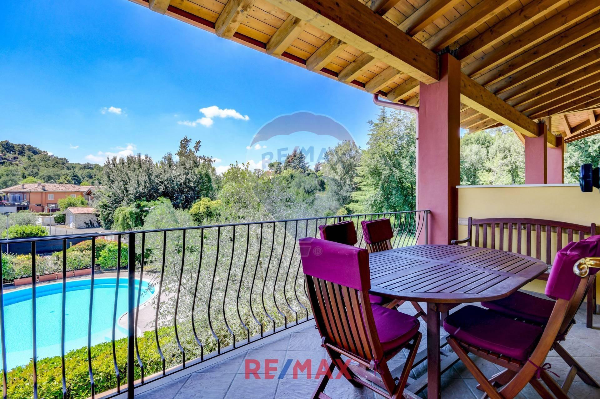 Appartamento in vendita a Soiano del Lago, 4 locali, prezzo € 209.000   CambioCasa.it