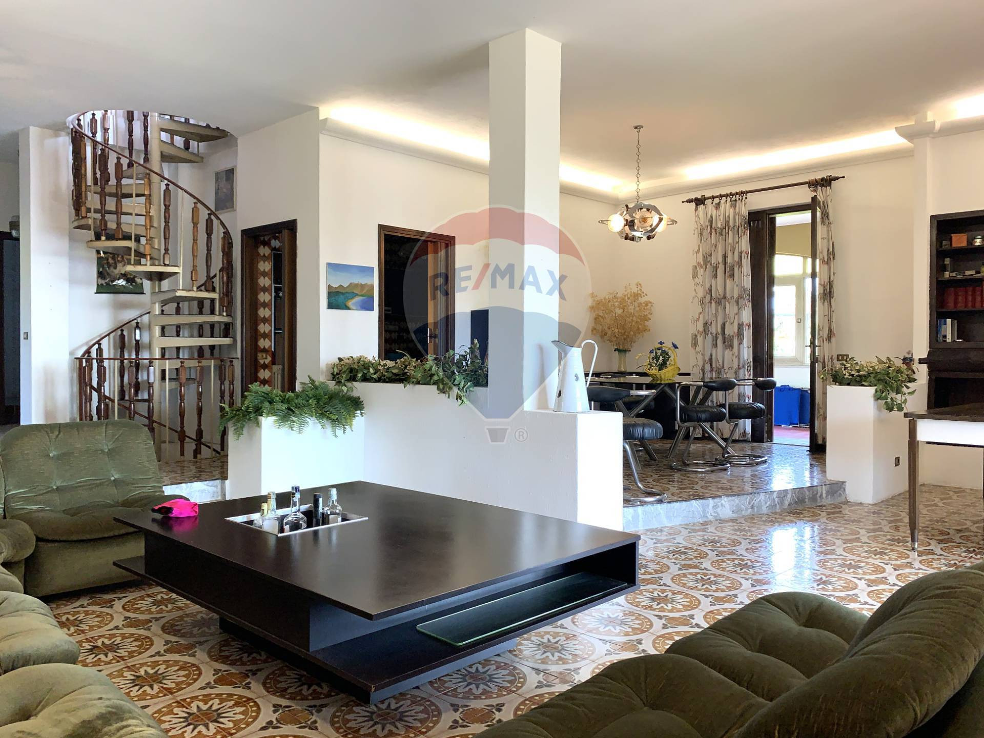 Villa in vendita a Soiano del Lago, 10 locali, prezzo € 919.000   PortaleAgenzieImmobiliari.it