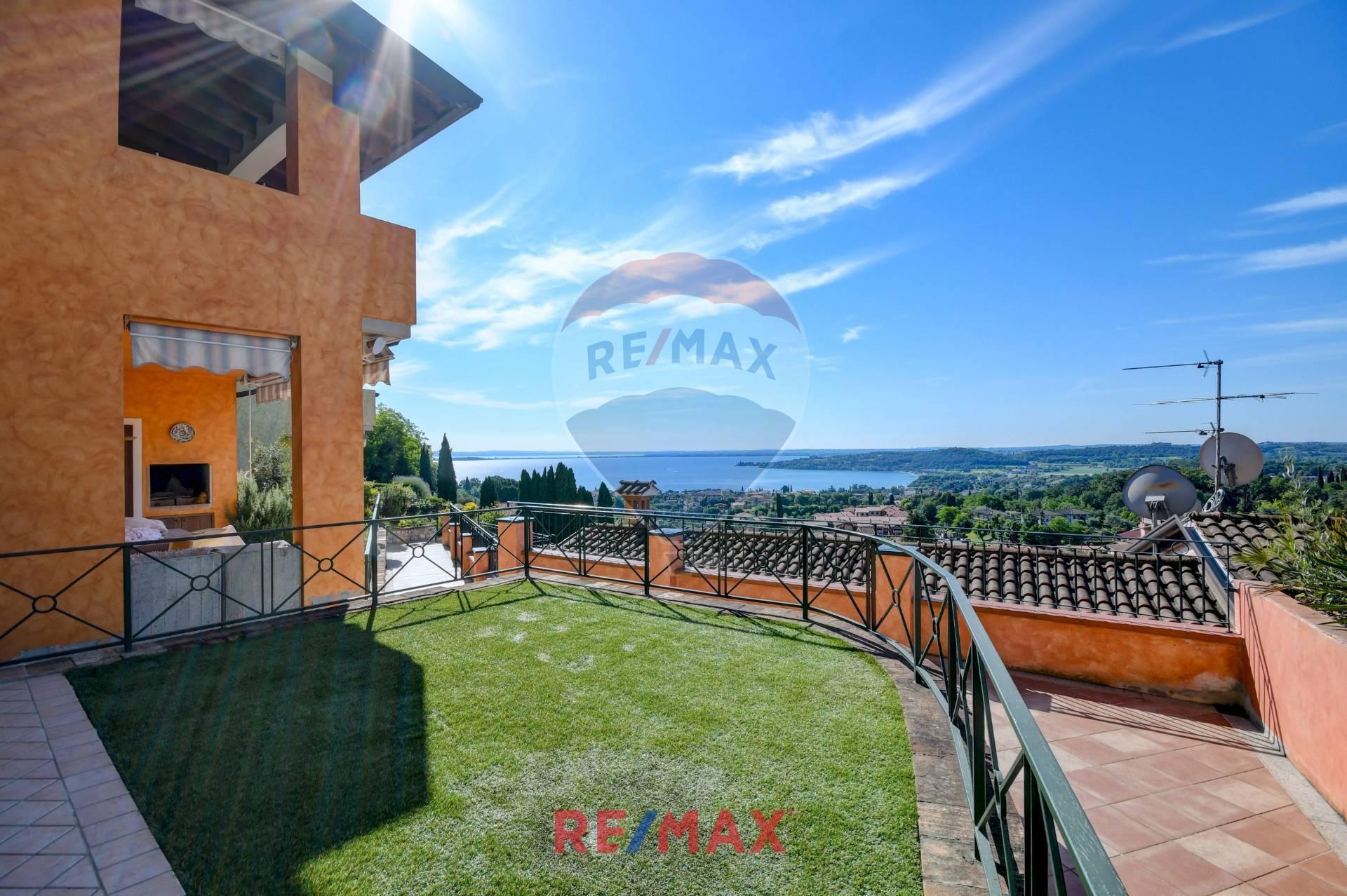Appartamento in vendita a Padenghe sul Garda, 5 locali, prezzo € 465.000   CambioCasa.it