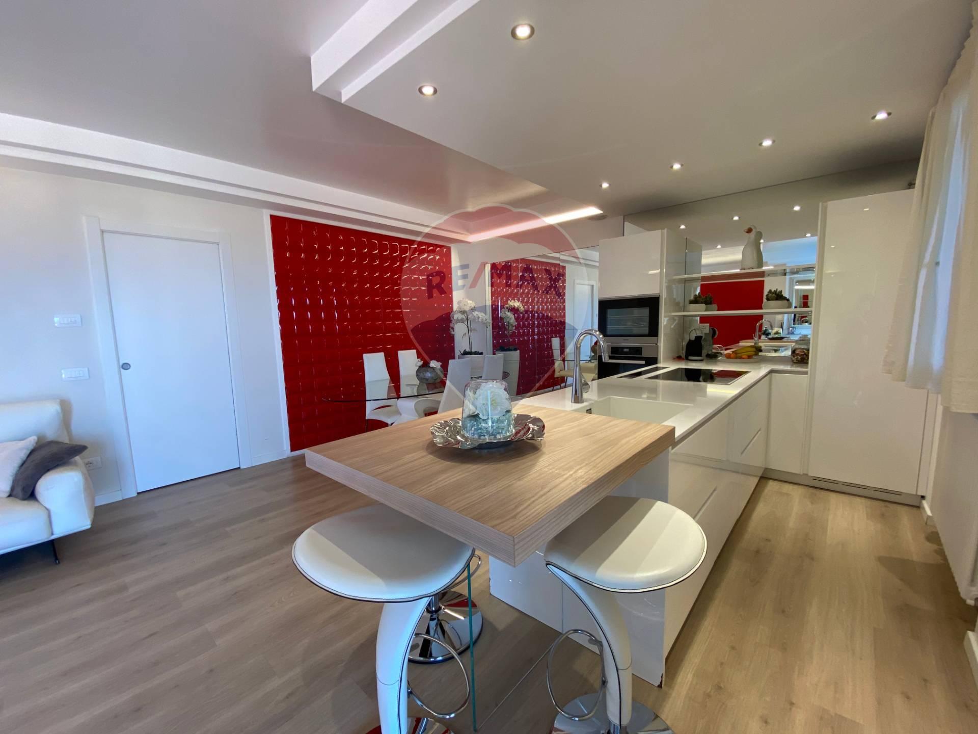 Appartamento in vendita a Polpenazze del Garda, 3 locali, prezzo € 330.000 | CambioCasa.it