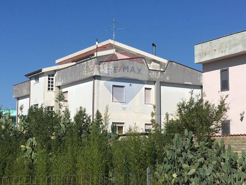 Appartamento in vendita a Castel Volturno, 3 locali, prezzo € 20.000 | CambioCasa.it