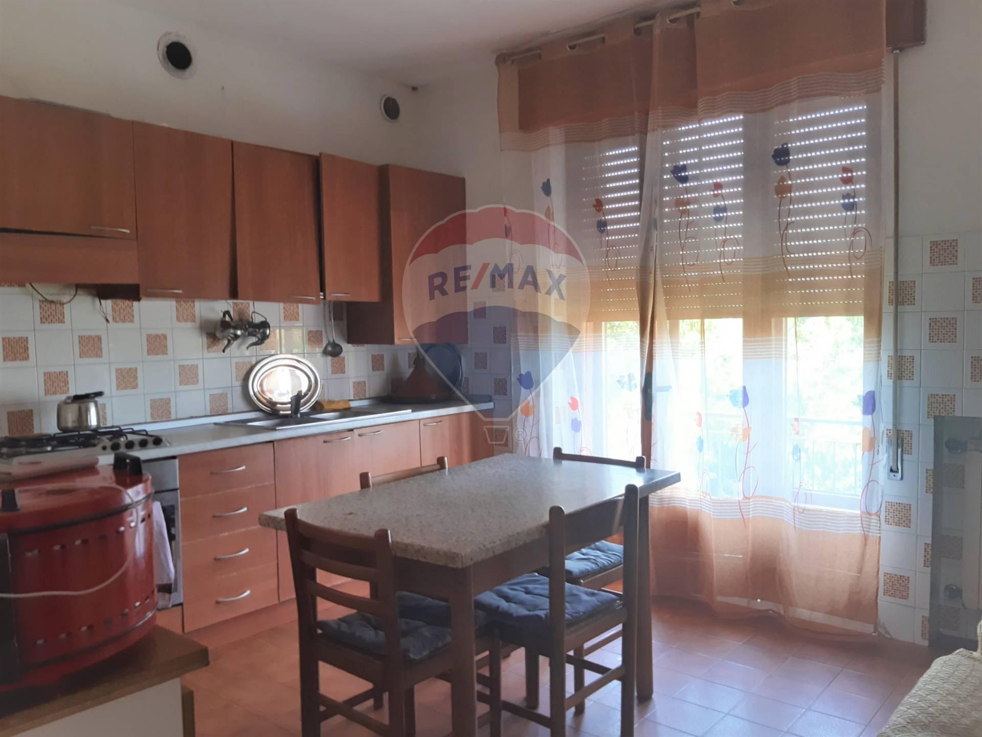 Appartamento in vendita a Noventa Vicentina, 7 locali, prezzo € 80.000 | CambioCasa.it