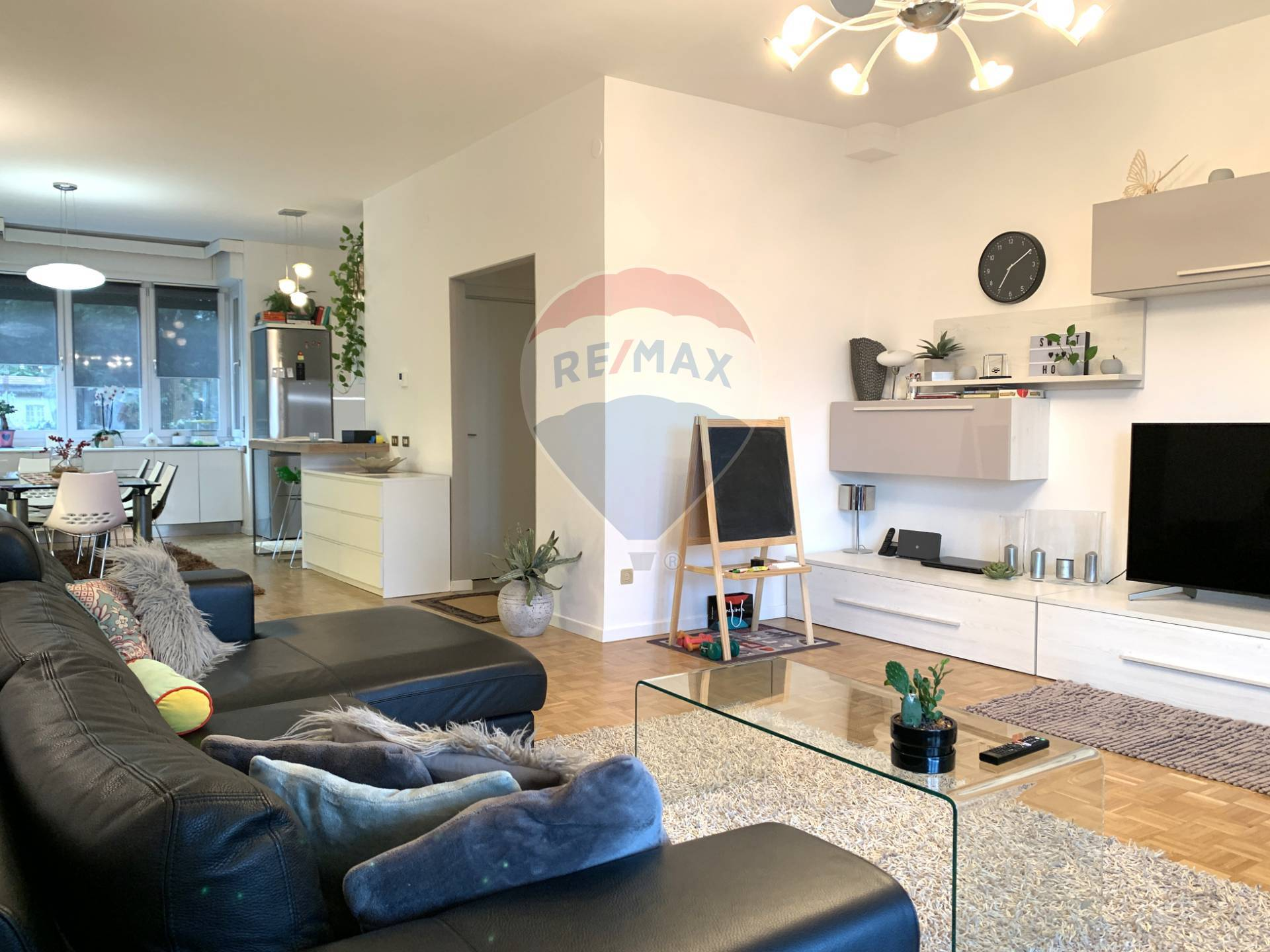Appartamento in vendita a Gardone Riviera, 3 locali, zona Località: GardoneSotto, prezzo € 367.500 | CambioCasa.it