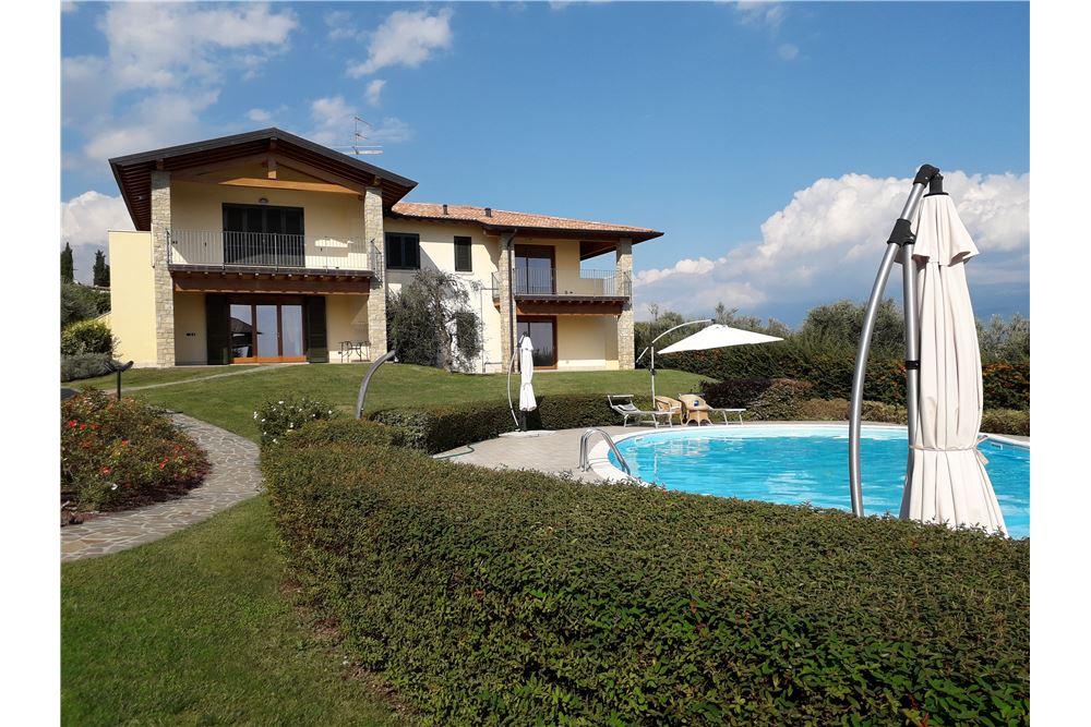 Appartamento in vendita a Toscolano-Maderno, 3 locali, zona Località: MonteMaderno, prezzo € 346.000 | CambioCasa.it