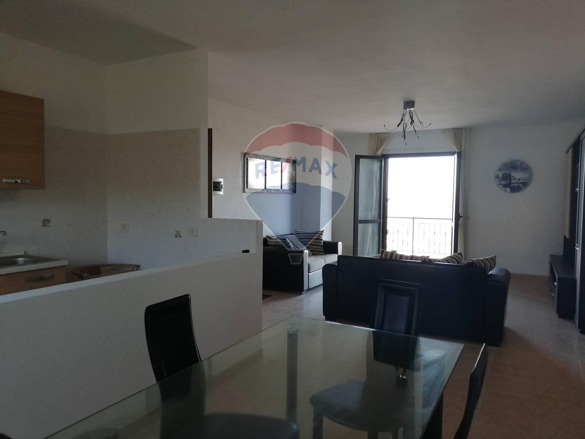 Appartamento in affitto a Archi, 5 locali, prezzo € 420 | CambioCasa.it