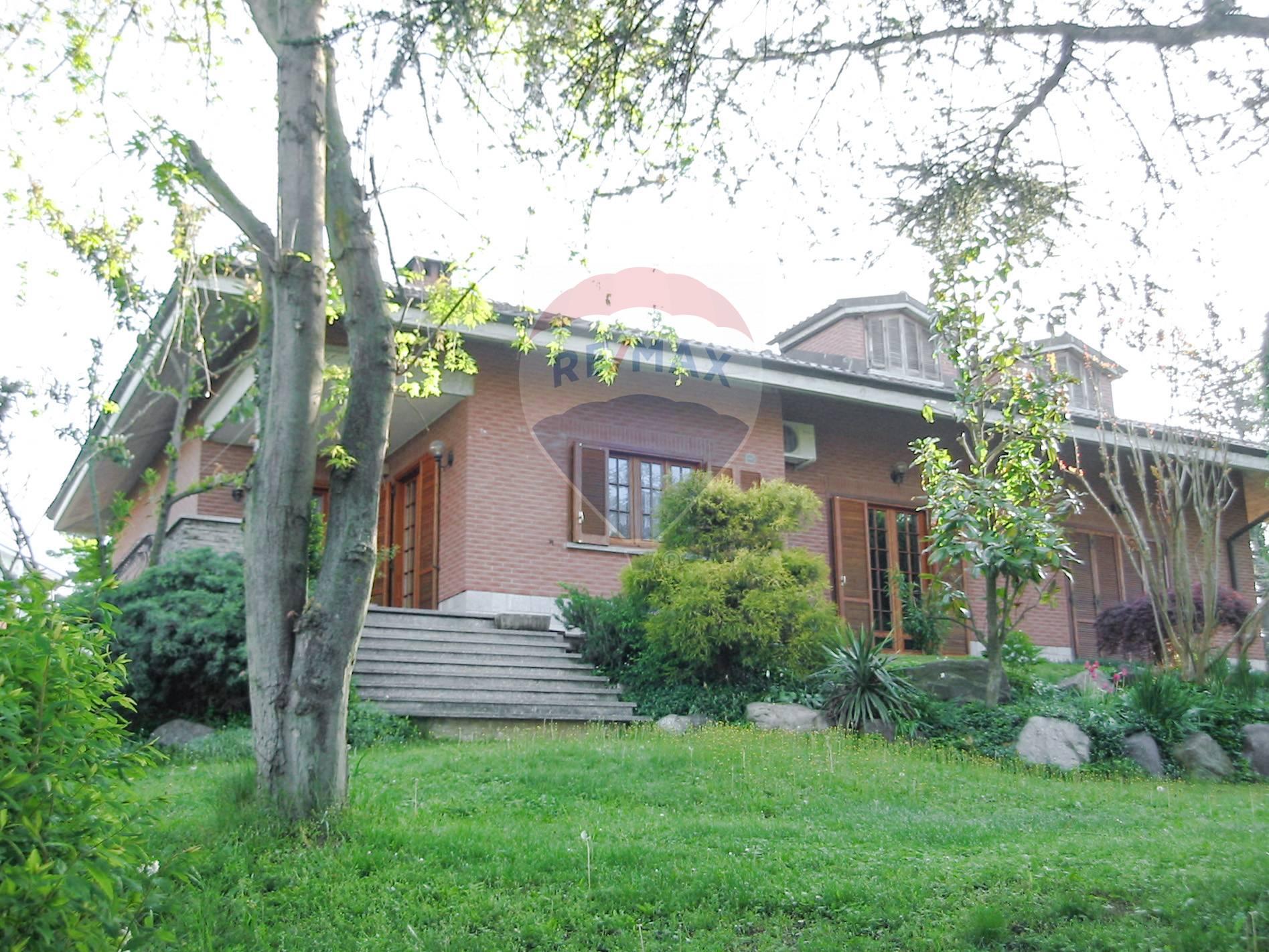 Villa in vendita a Castelletto Monferrato, 8 locali, prezzo € 340.000 | CambioCasa.it