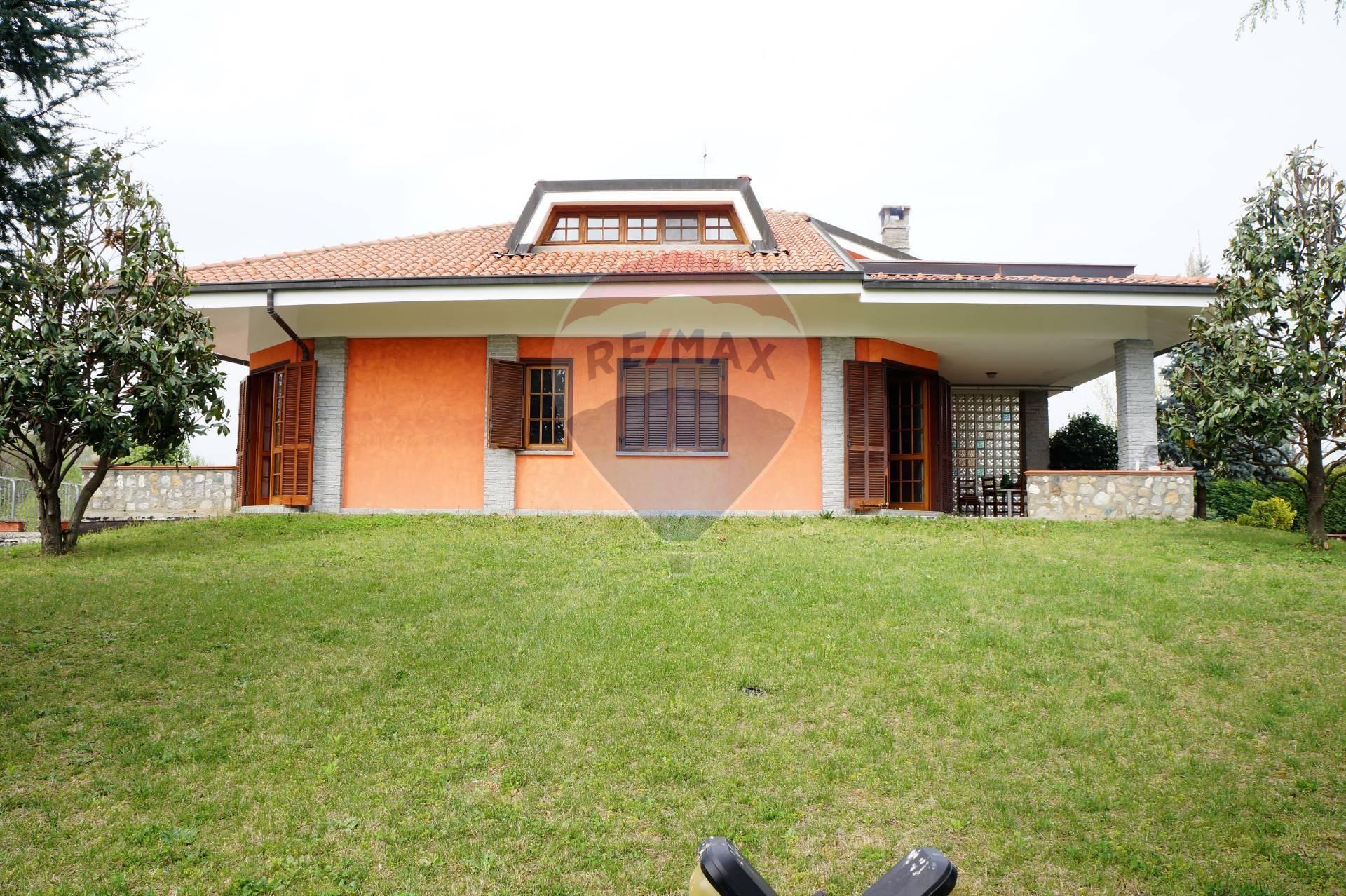 Villa in vendita a San Giorgio Canavese, 10 locali, prezzo € 340.000 | CambioCasa.it