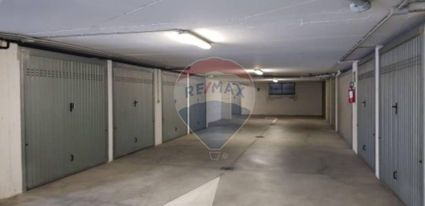 Box / Garage in Vendita a Salò