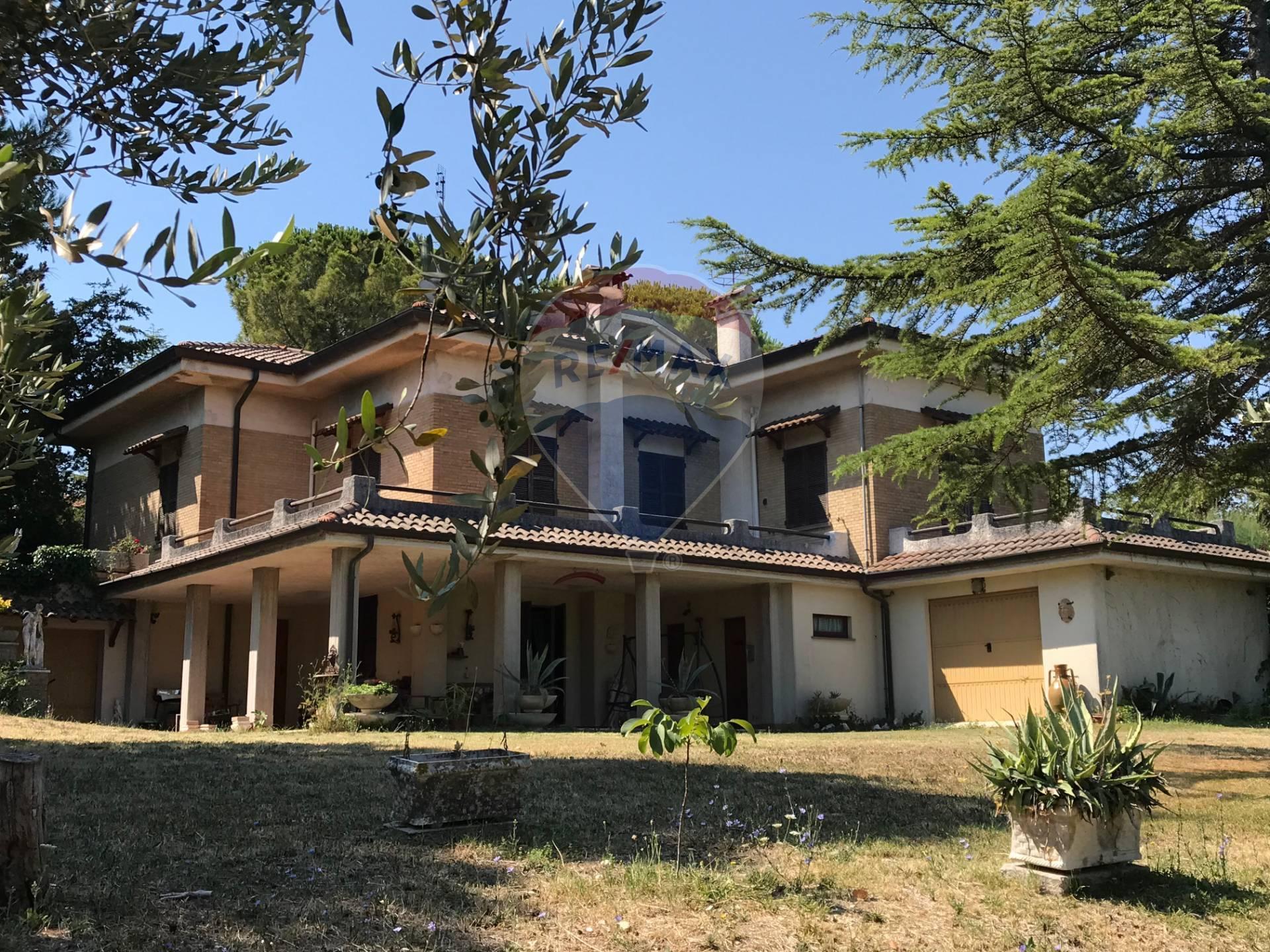 Villa in vendita a Senigallia, 5 locali, zona Località: S.Angelo, prezzo € 835.000 | CambioCasa.it