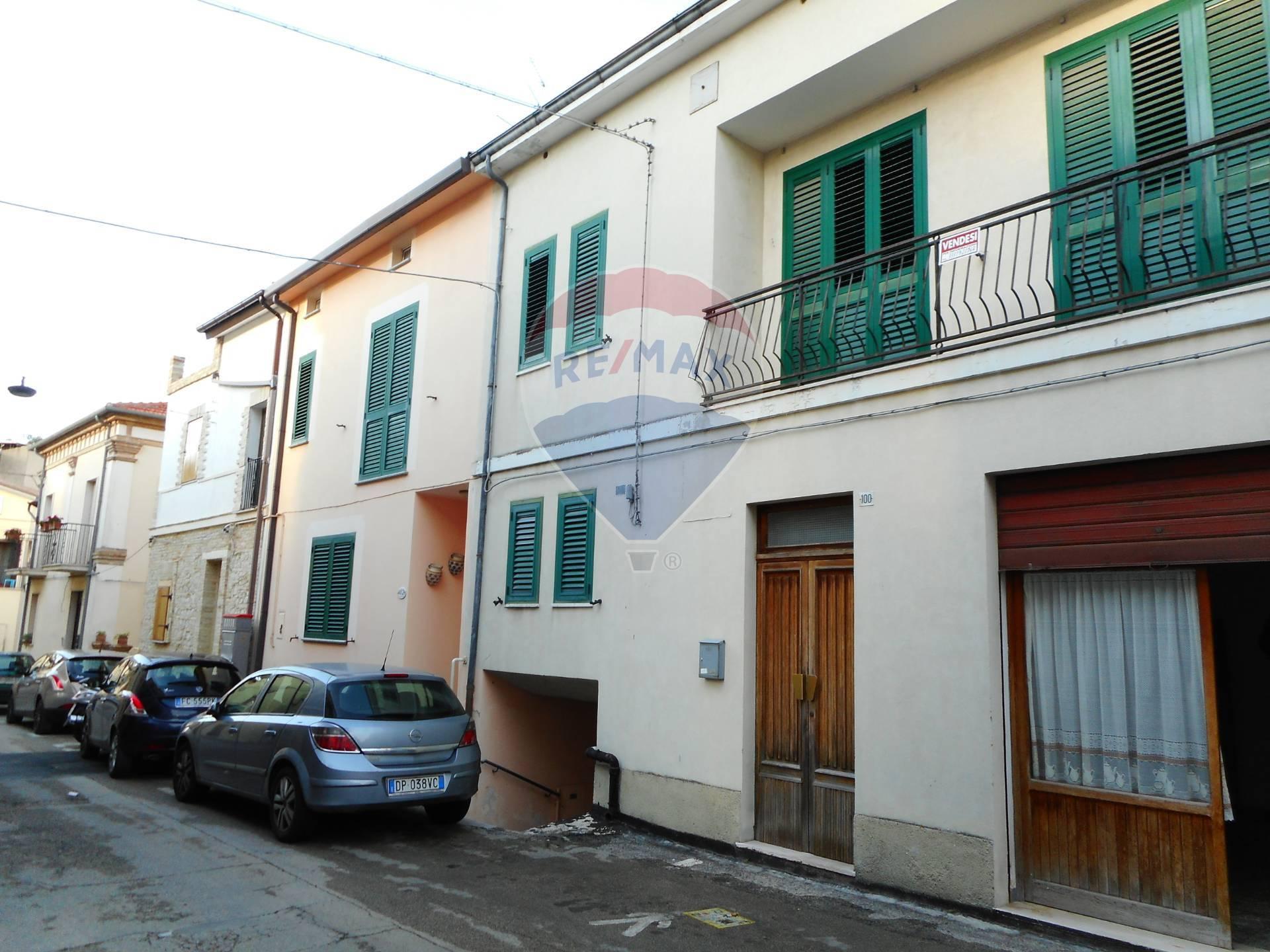 Soluzione Semindipendente in vendita a Paglieta, 14 locali, prezzo € 100.000   CambioCasa.it