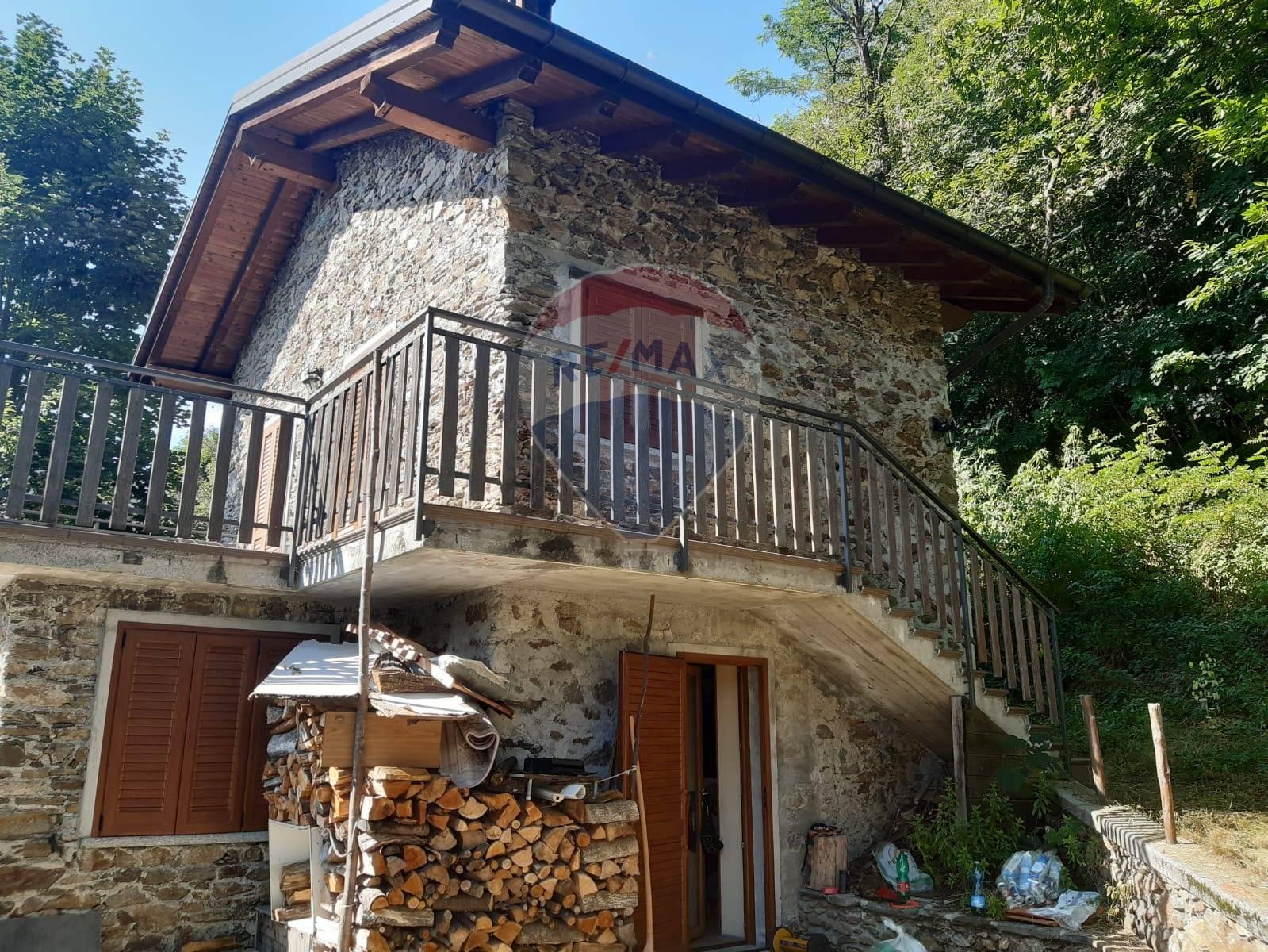 Soluzione Indipendente in vendita a Bellano, 4 locali, prezzo € 150.000 | CambioCasa.it
