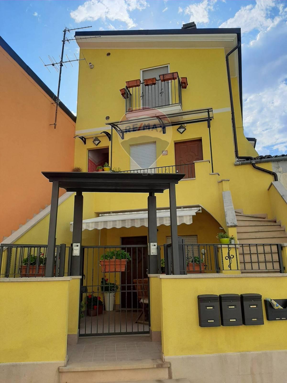 Soluzione Semindipendente in vendita a Popoli, 6 locali, prezzo € 105.000 | CambioCasa.it