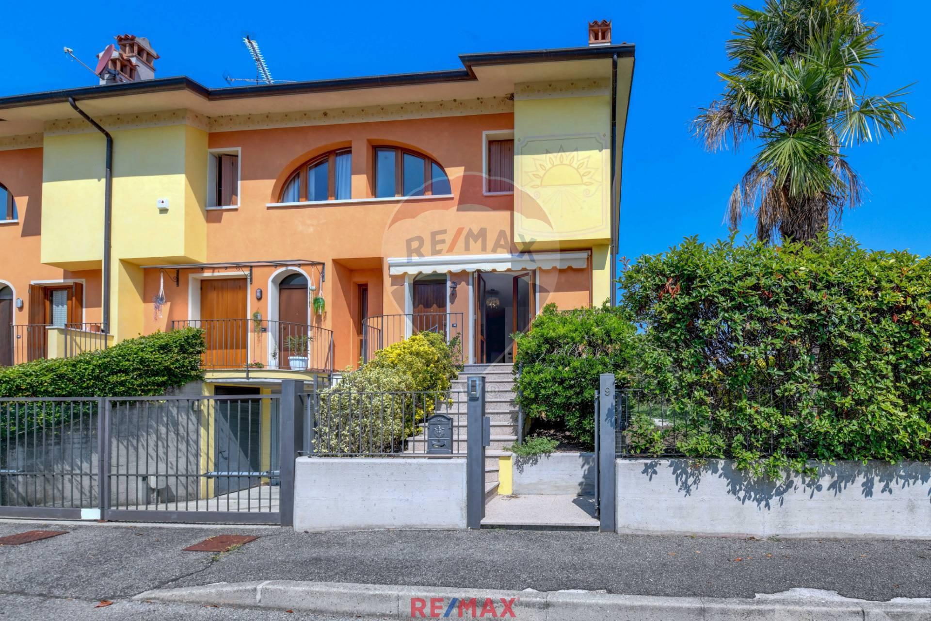 Villa a Schiera in Vendita a Puegnago sul Garda
