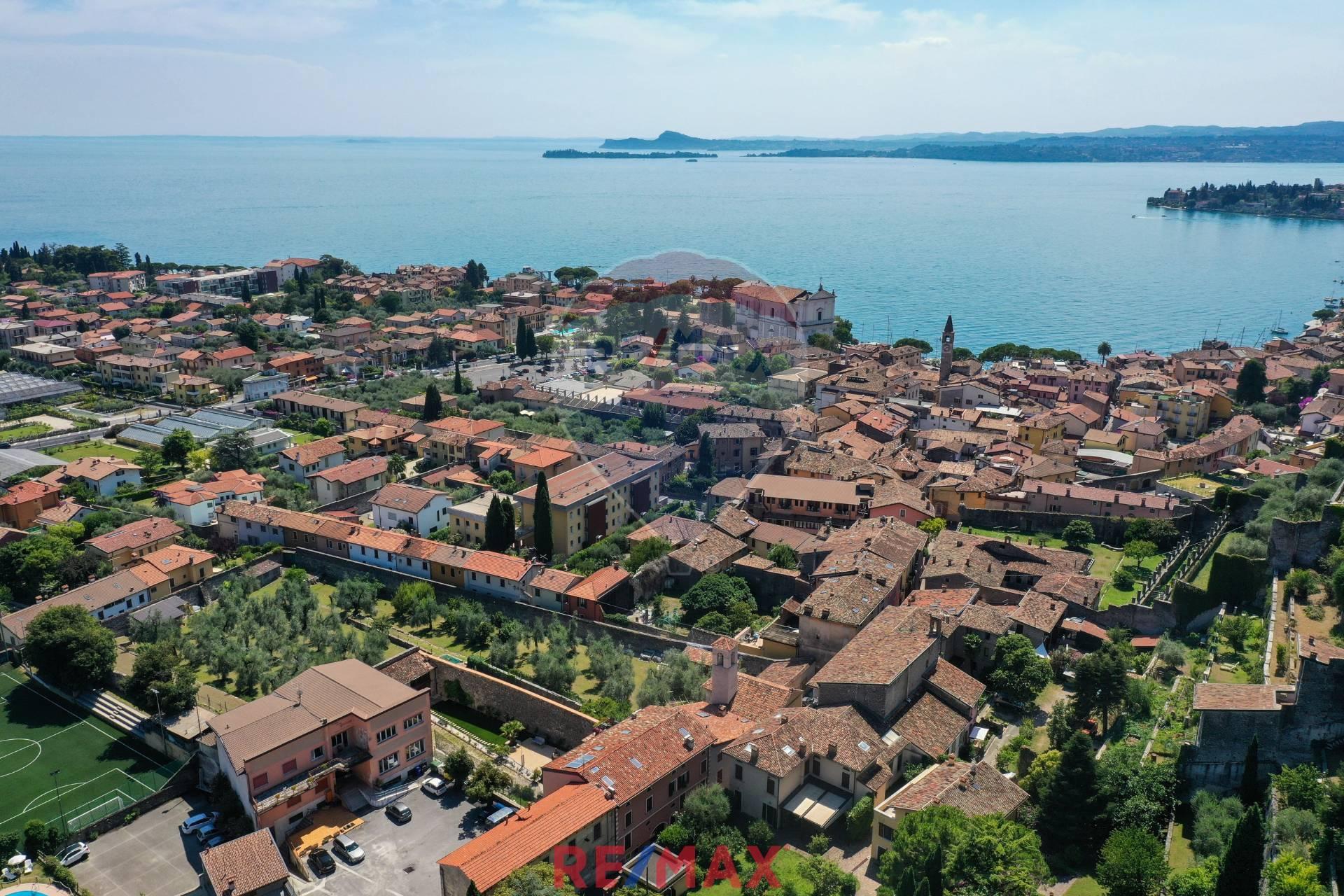 Appartamento in vendita a Toscolano-Maderno, 3 locali, zona Zona: Maderno, prezzo € 185.000   CambioCasa.it