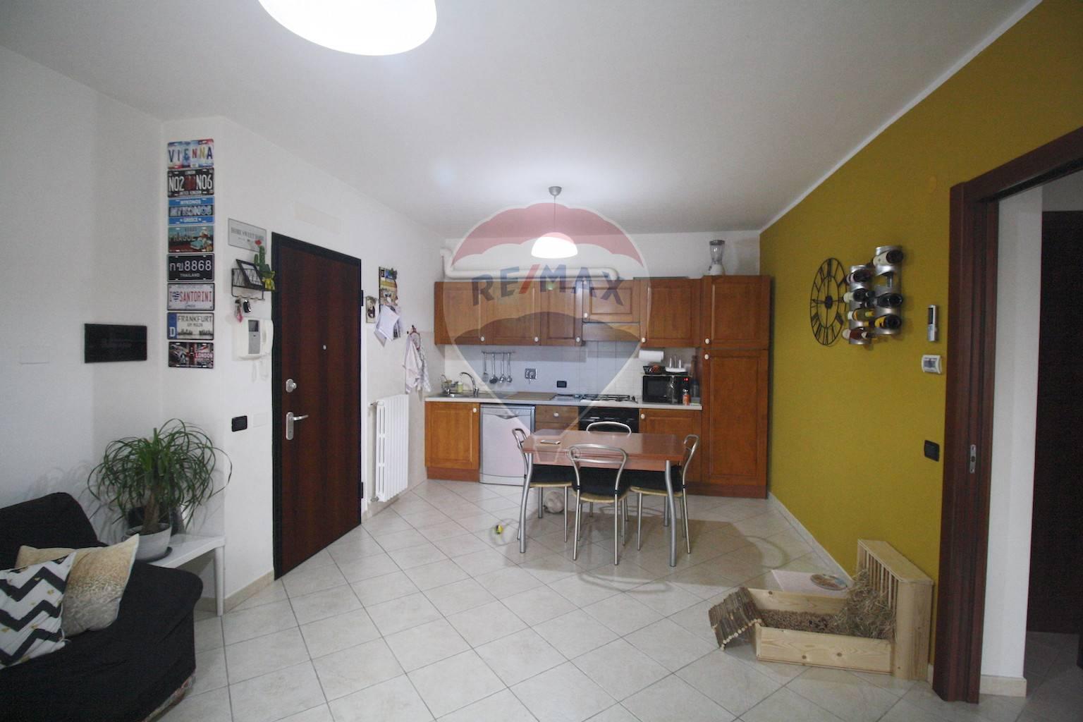 Appartamento in vendita a Sant'Ilario d'Enza, 3 locali, prezzo € 135.000 | CambioCasa.it