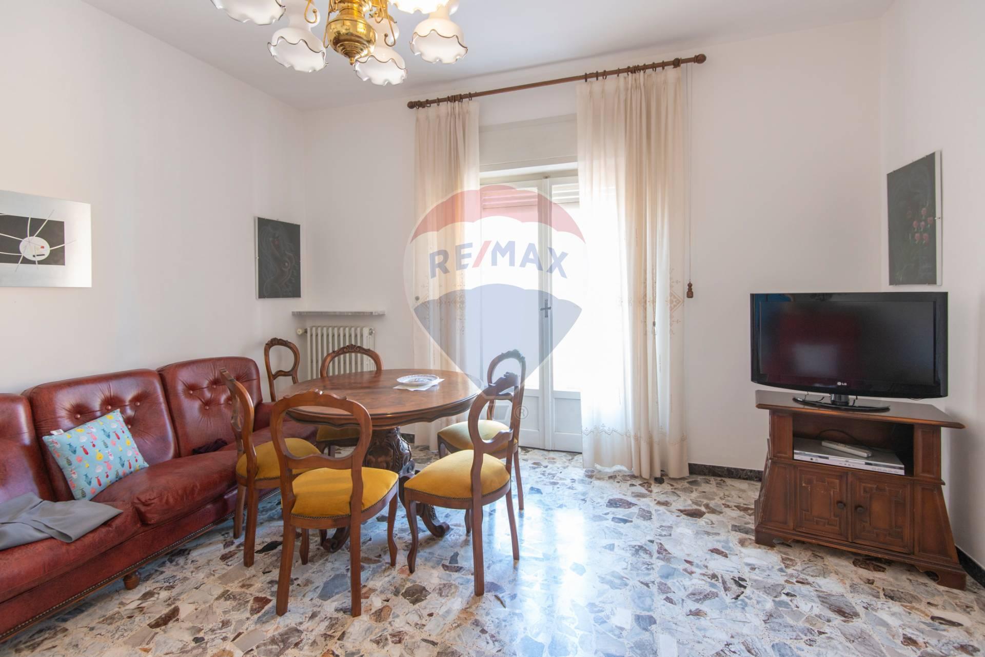Appartamento in vendita a Chiaravalle, 5 locali, prezzo € 85.000 | CambioCasa.it
