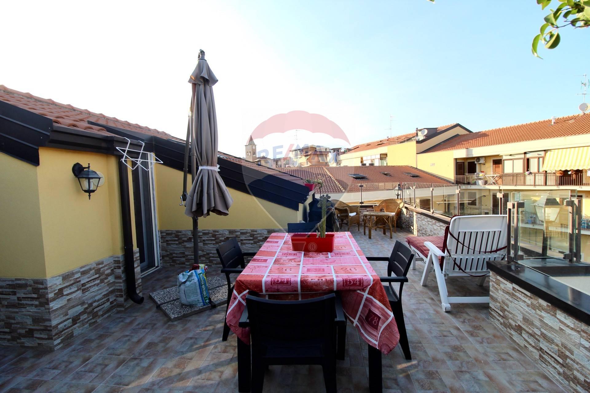 Appartamento in vendita a Aci Catena, 3 locali, zona Località: SanNicolò, prezzo € 120.000 | CambioCasa.it