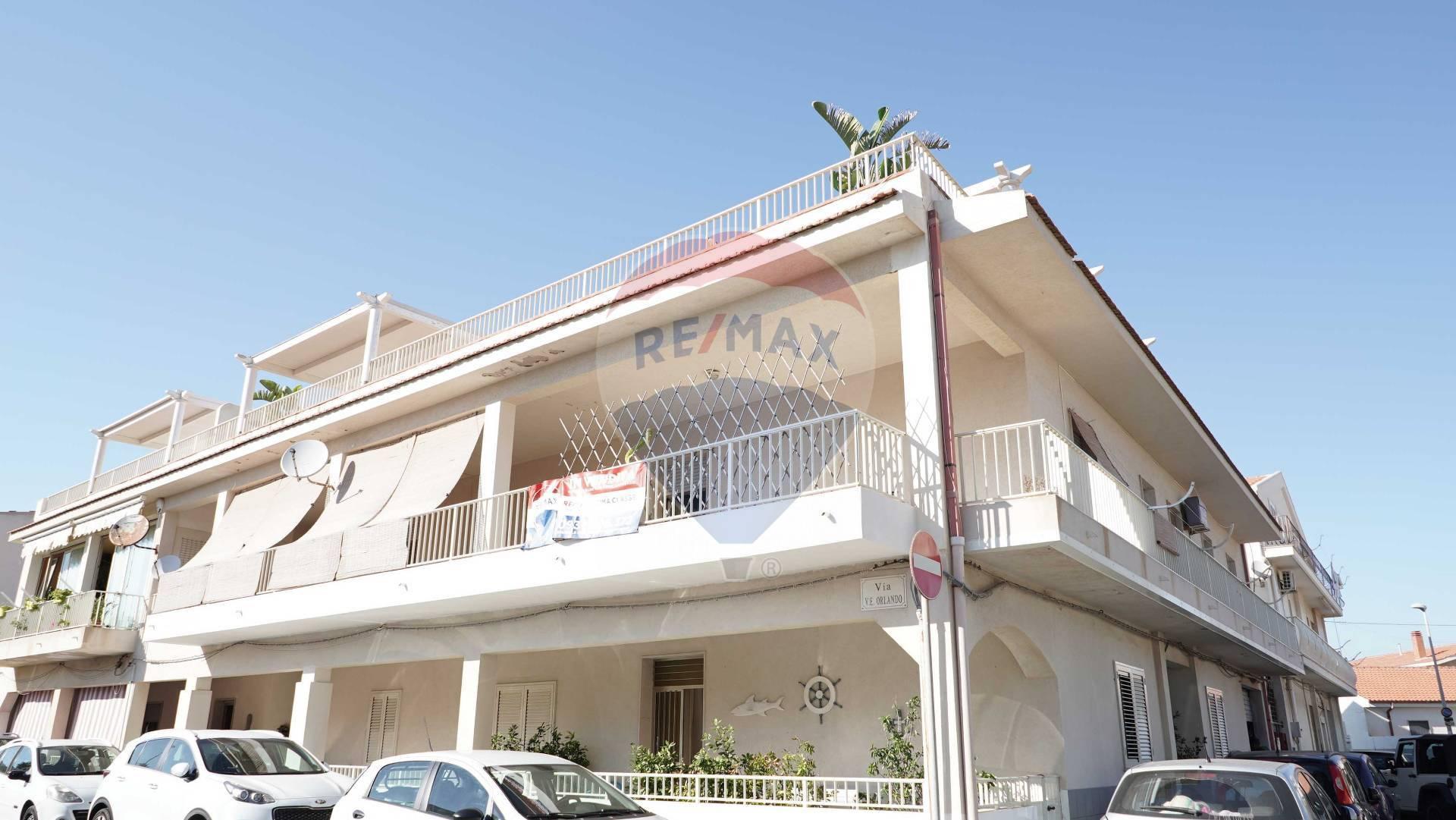 Appartamento in vendita a Santa Croce Camerina, 4 locali, zona Località: PuntaSecca, prezzo € 185.000   CambioCasa.it