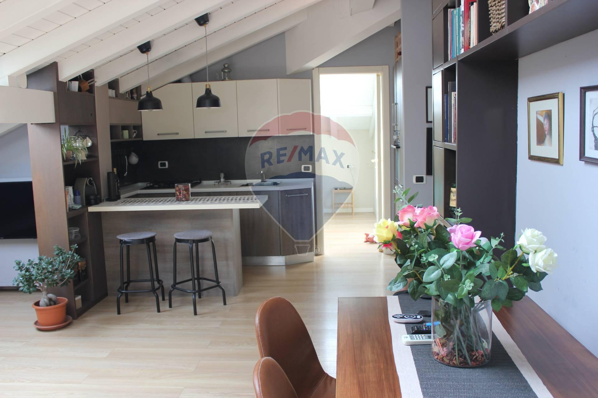 Appartamento in vendita a Barzanò, 3 locali, prezzo € 125.000 | CambioCasa.it