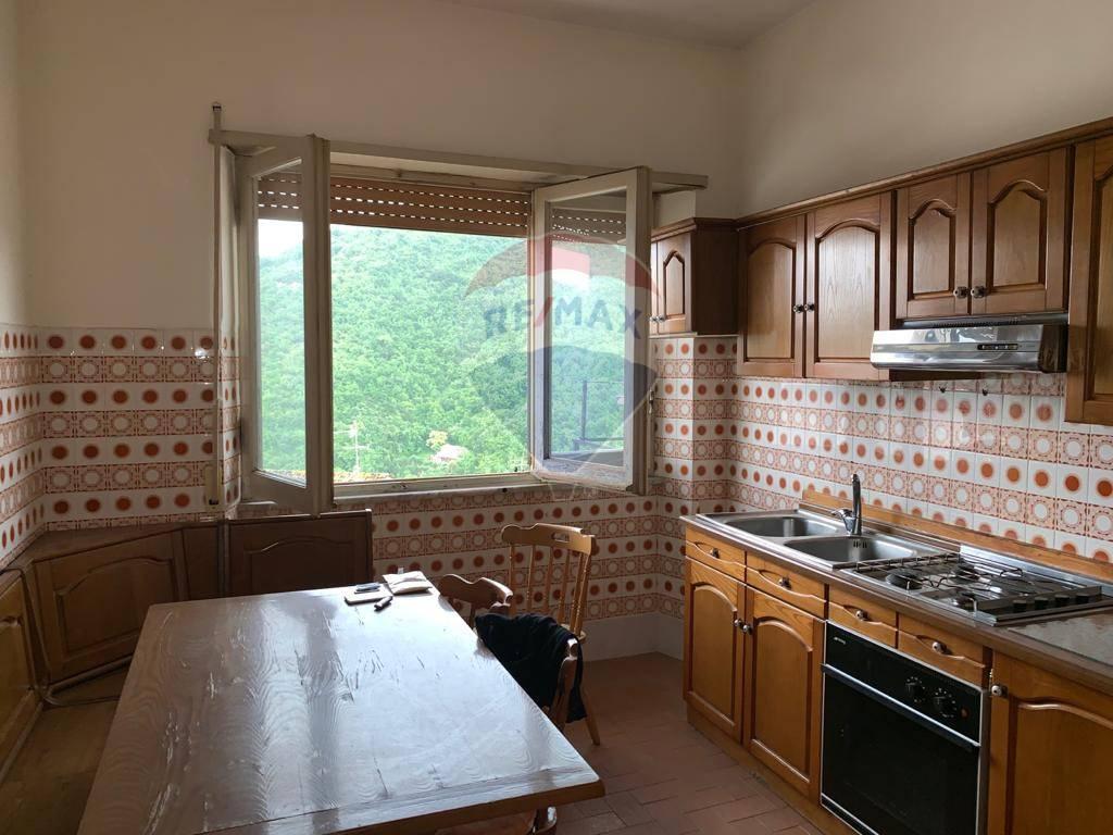 Appartamento in vendita a Pastena, 4 locali, zona Zona: Grotte, prezzo € 47.000 | CambioCasa.it