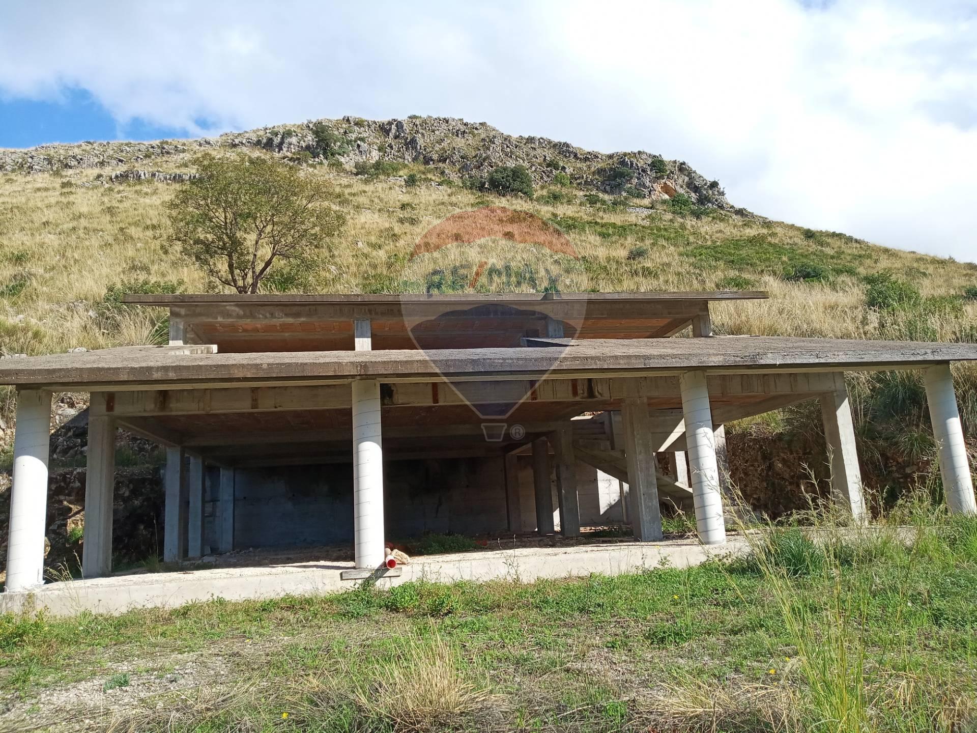 Villa in vendita a Itri, 5 locali, prezzo € 95.000 | CambioCasa.it