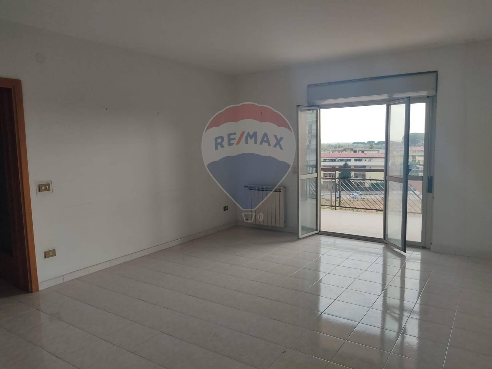 Appartamento, 125 Mq, Affitto - Caserta (Caserta)