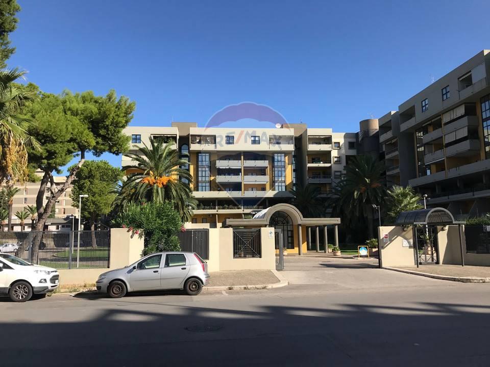 Appartamento, 140 Mq, Vendita - Bari (Bari)