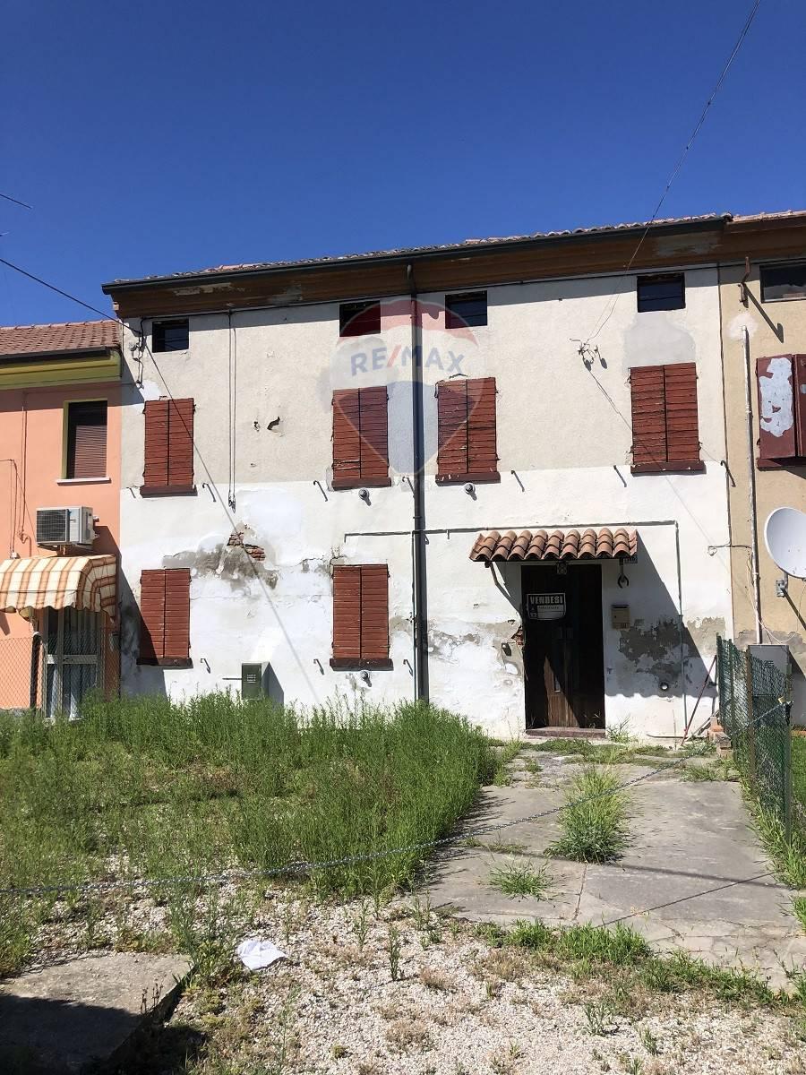 Villa a Schiera in vendita a Ceneselli, 7 locali, prezzo € 23.000 | CambioCasa.it