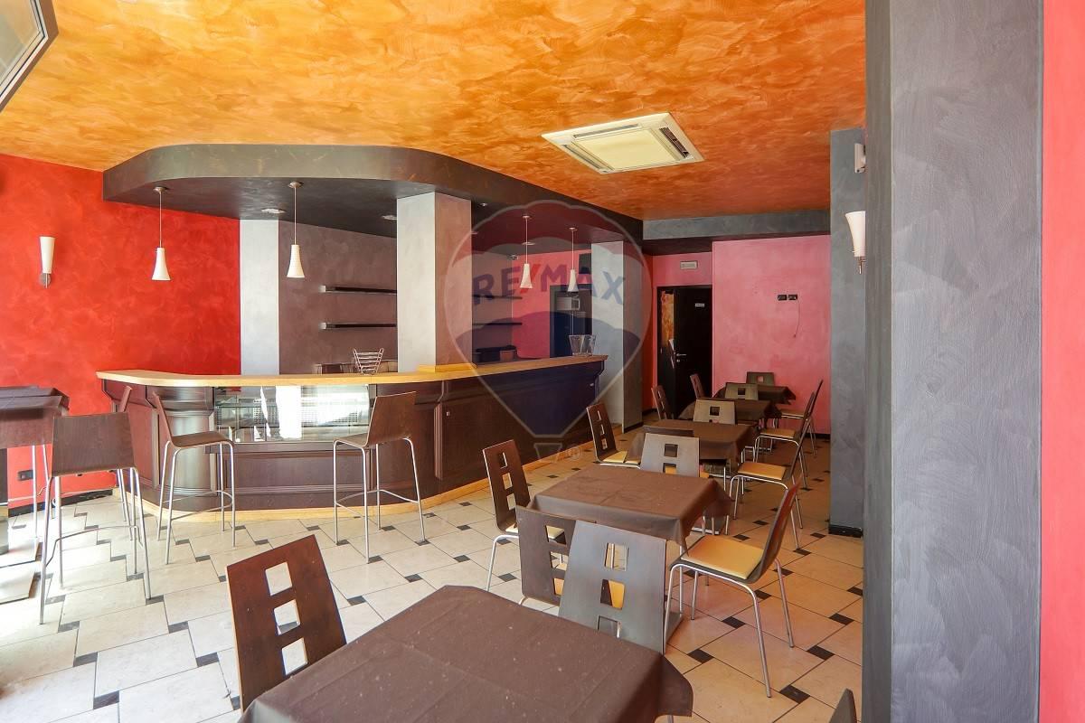 Negozio / Locale in vendita a Legnago, 9999 locali, zona Zona: Porto, prezzo € 79.000   CambioCasa.it